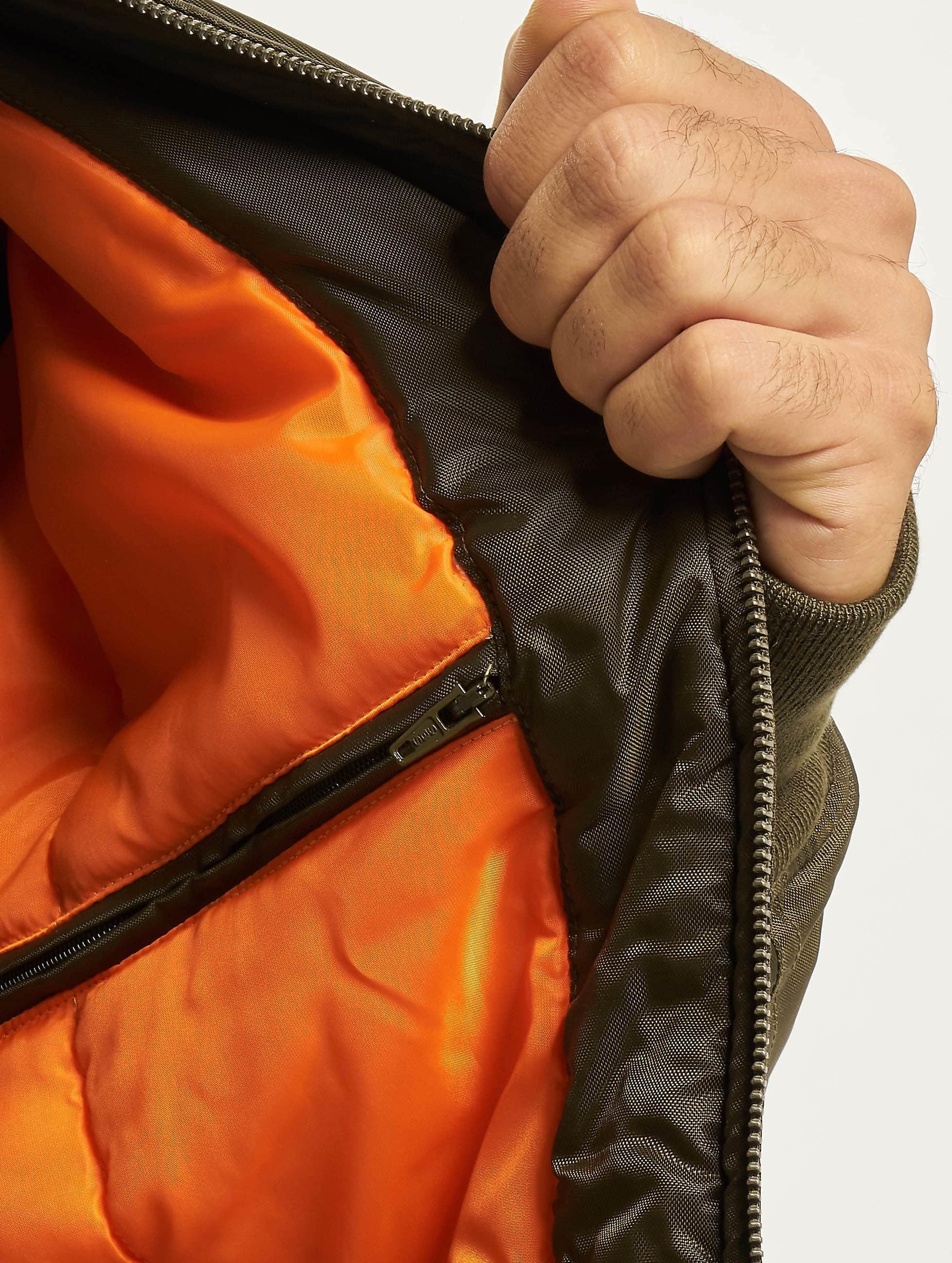 Urban Classics Куртка-бомбардир Basic зеленый