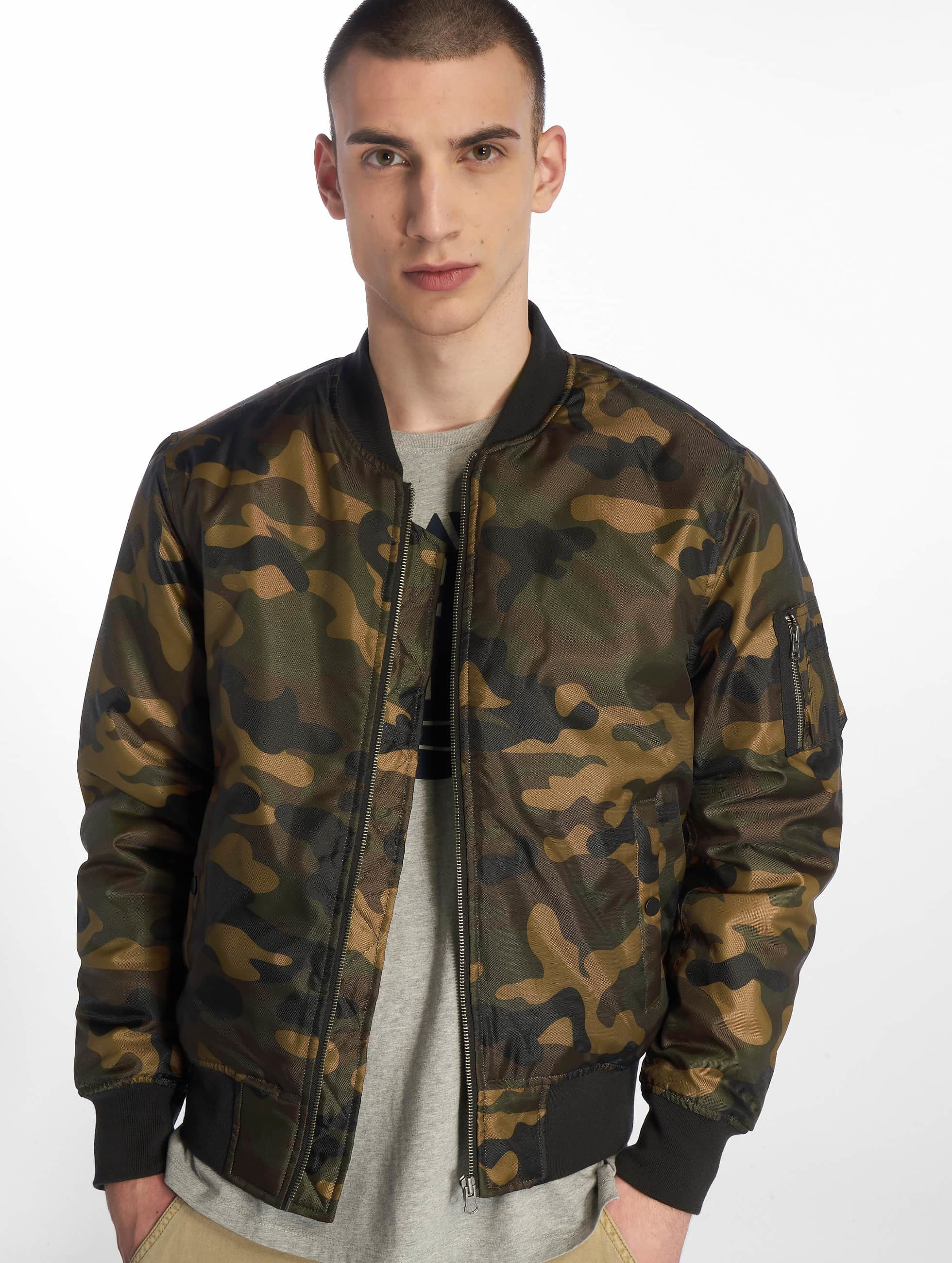Urban Classics Куртка-бомбардир Camo Basic Bomber камуфляж