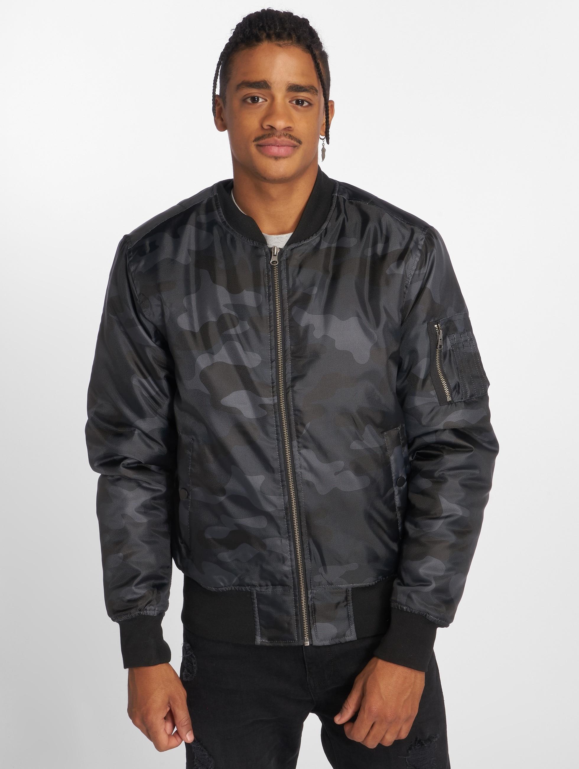 Urban Classics Куртка-бомбардир Camo Basic камуфляж
