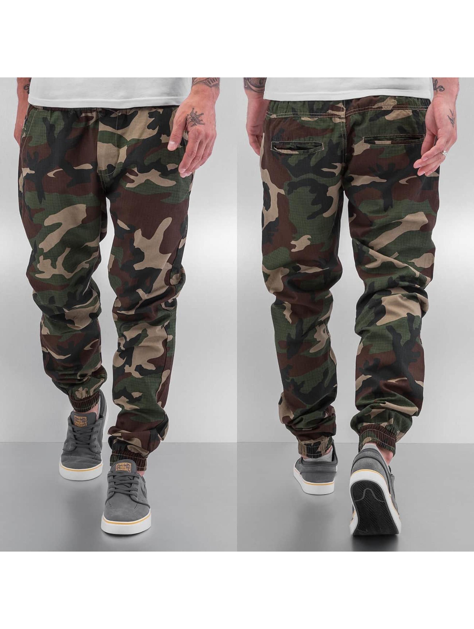 Urban Classics Спортивные брюки Camo Ripstop камуфляж