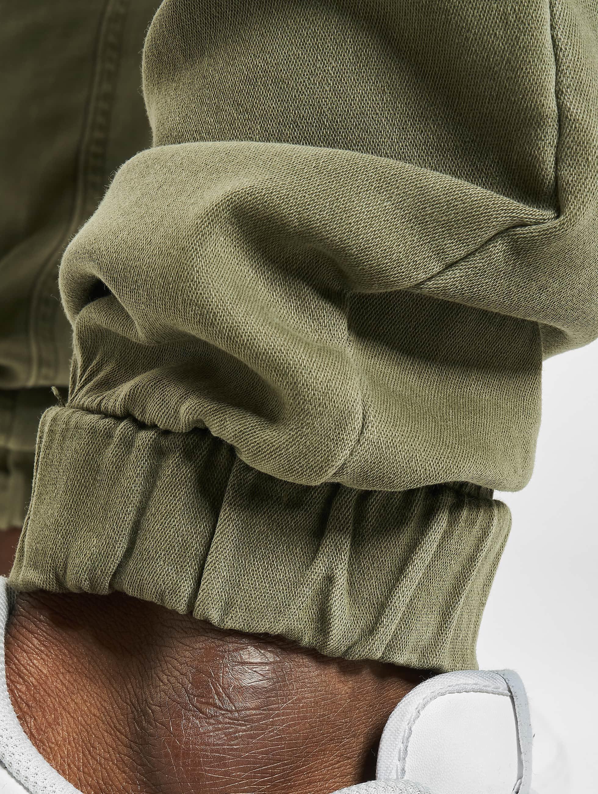 Urban Classics Спортивные брюки Biker оливковый