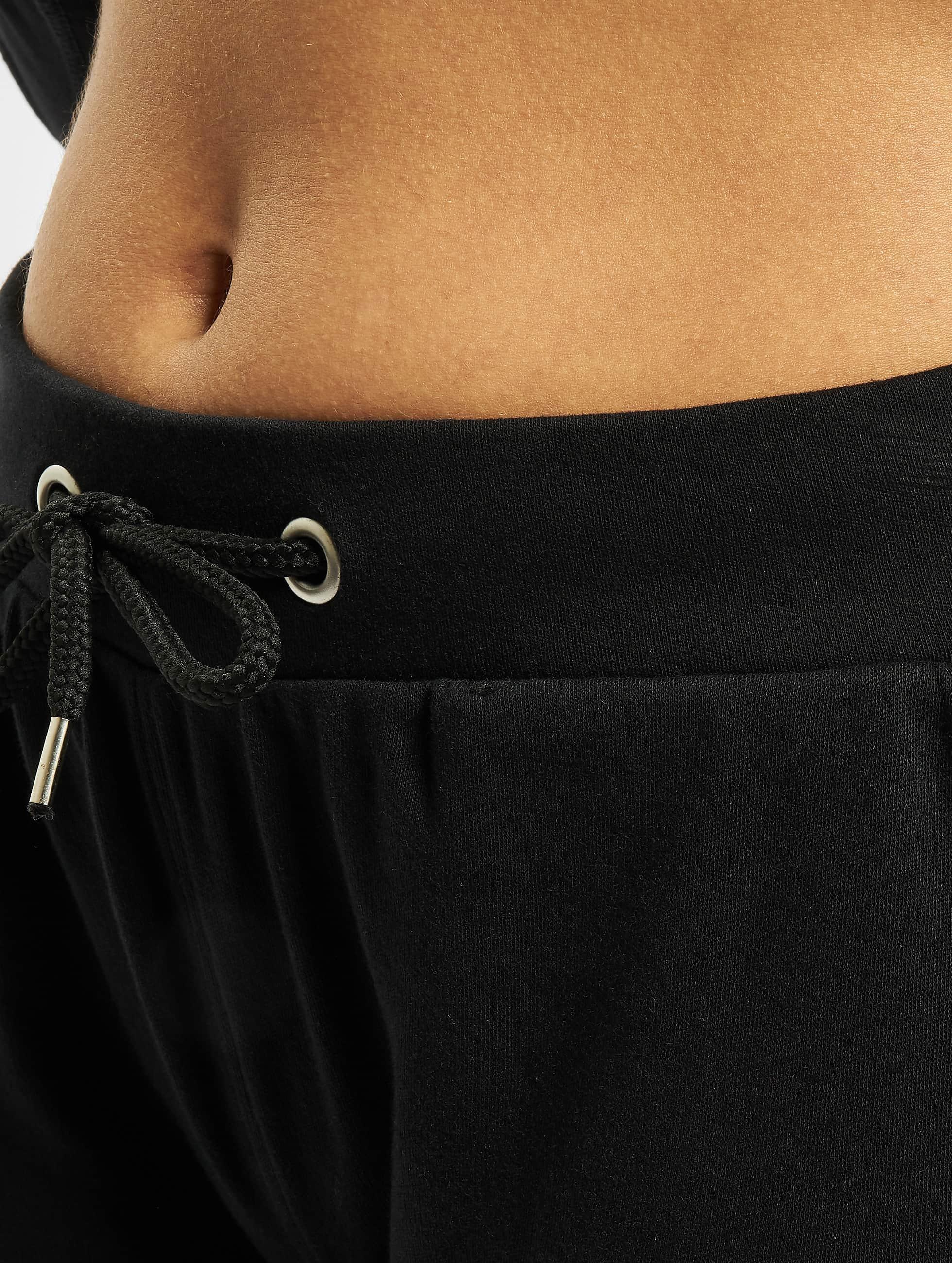 Urban Classics Спортивные брюки Fitted Athletic черный