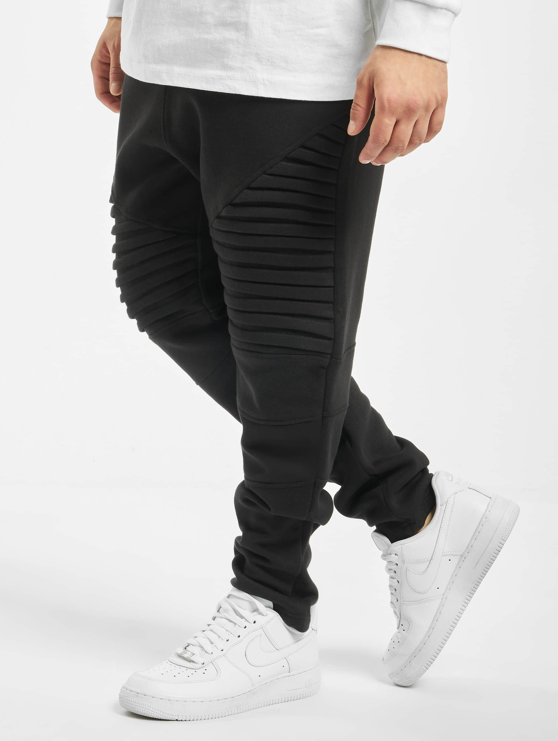 Urban Classics Спортивные брюки Pleat черный