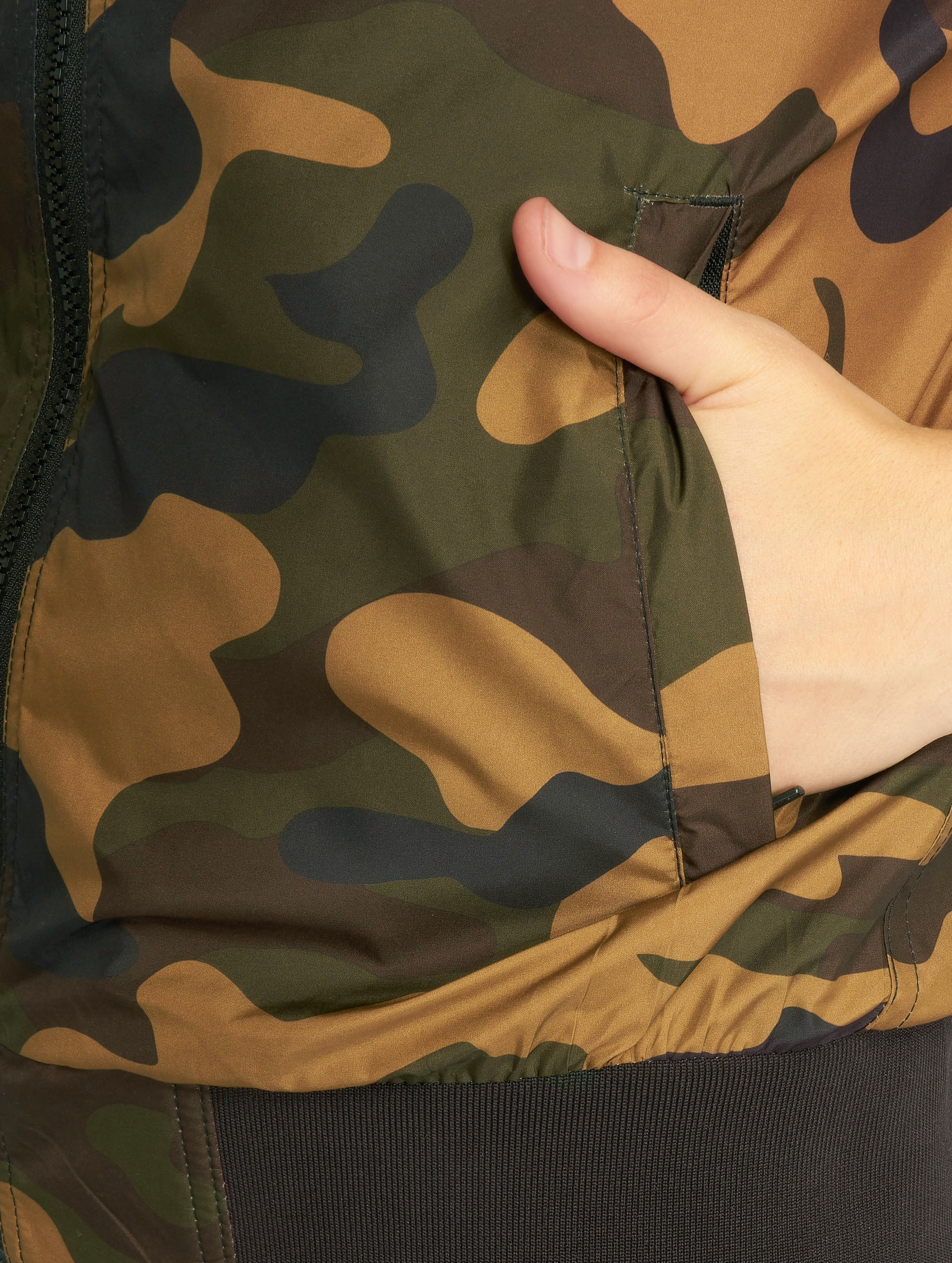 Urban Classics Bomber jacket Ladies Light Camo camouflage