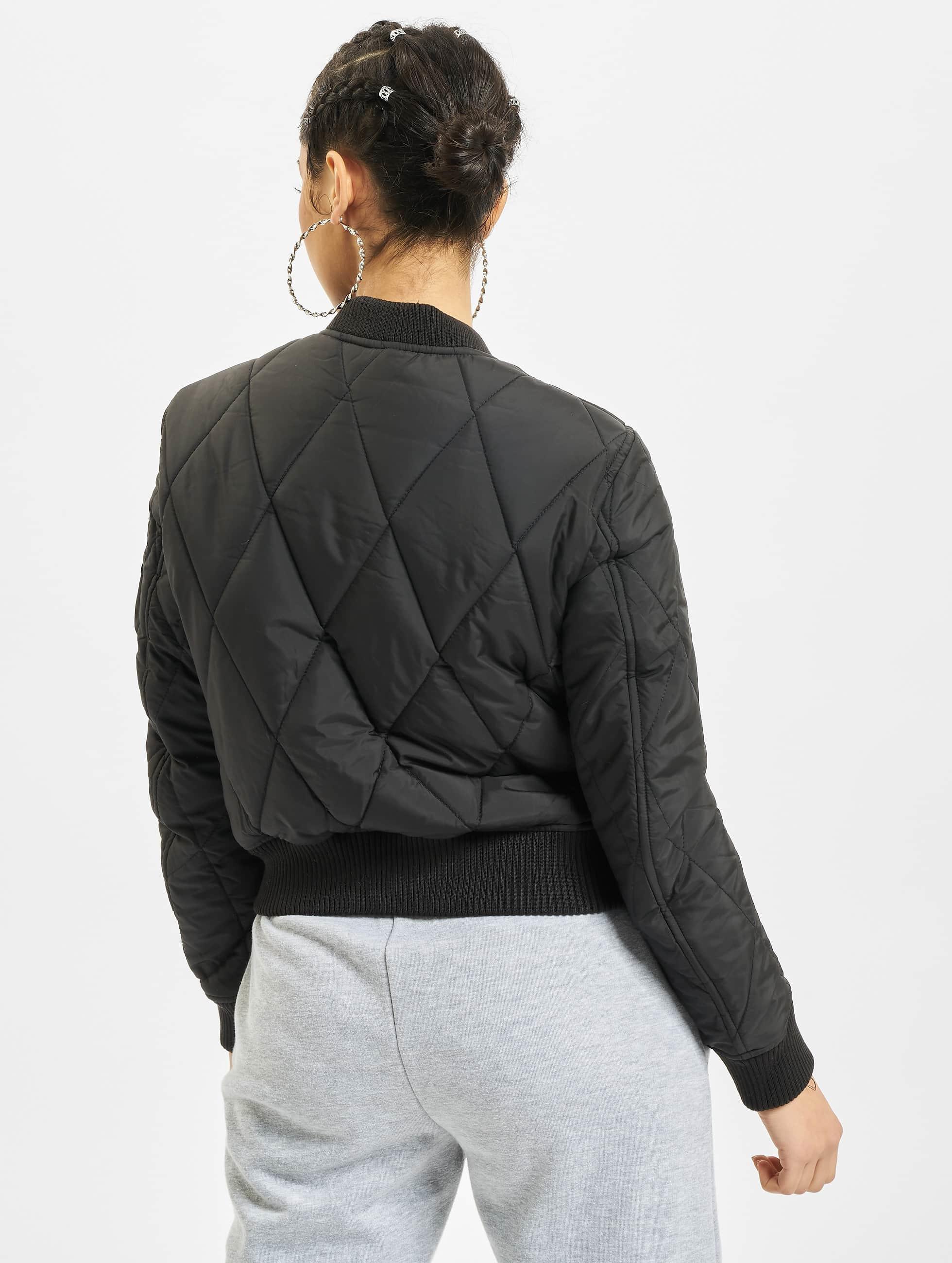 Urban Classics Bomberová bunda Diamond Quilt Short èierna