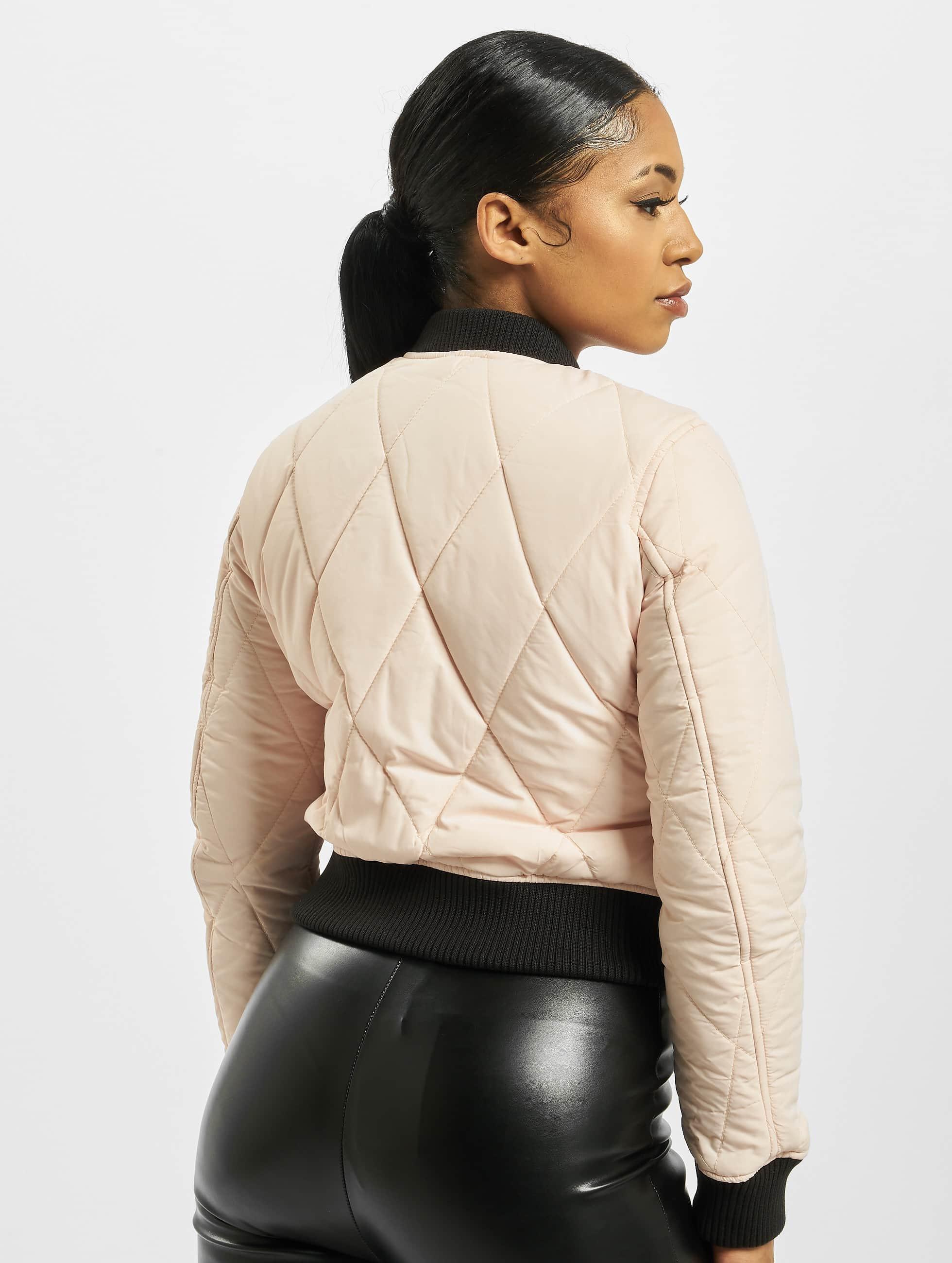 Urban Classics Bomberová bunda Diamond Quilt Short ružová