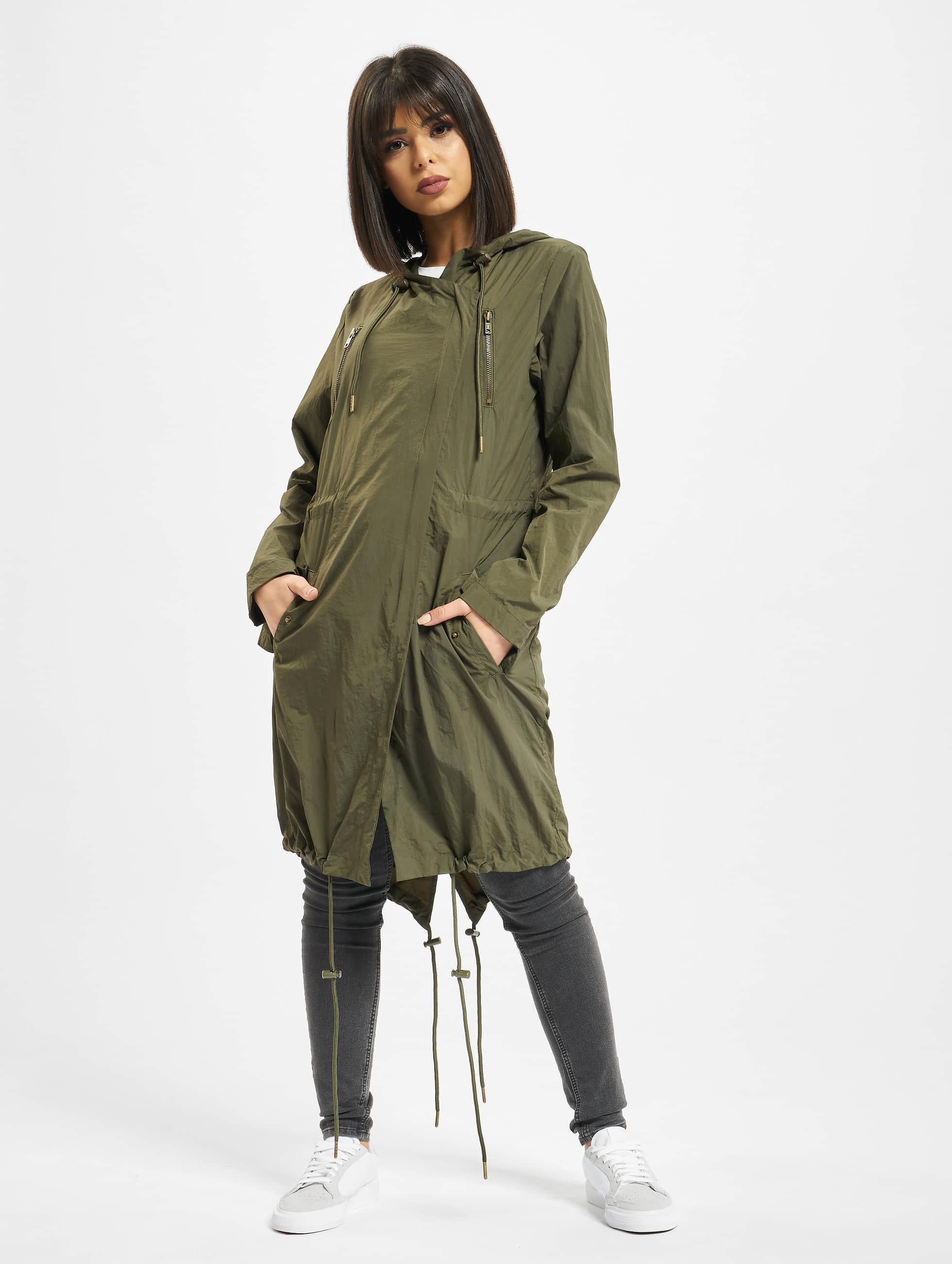 Urban Classics Kabáty Asymetric olivová