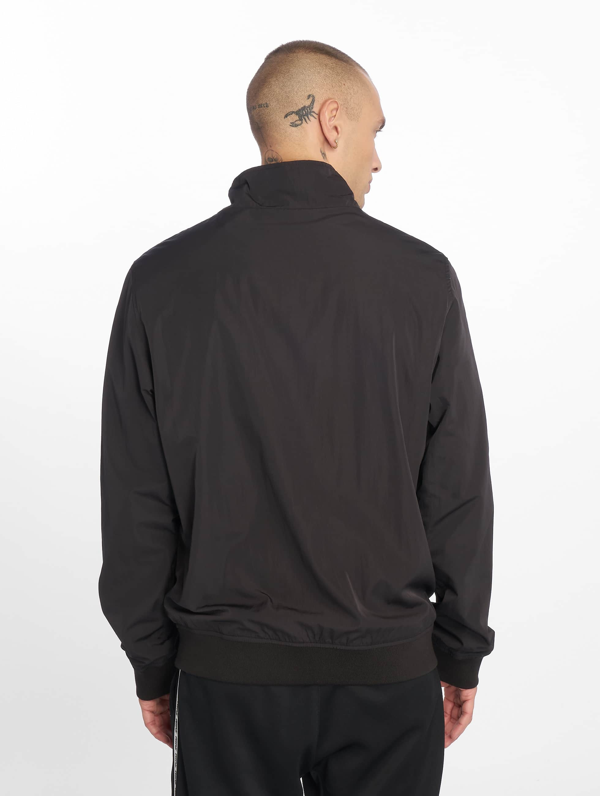 Urban Classics Lightweight Jacket Nylon Training black