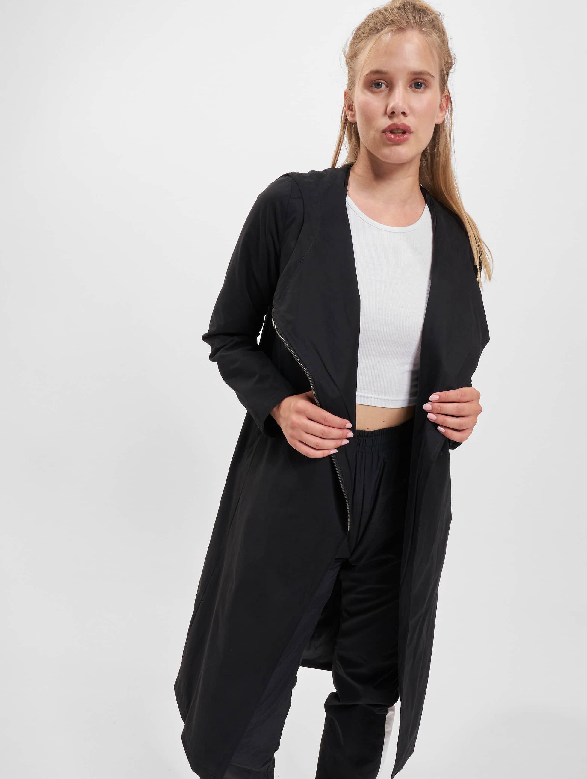 Urban Classics Veste/Blouson / Manteau Ladies Peached Long Asymmetric en noir