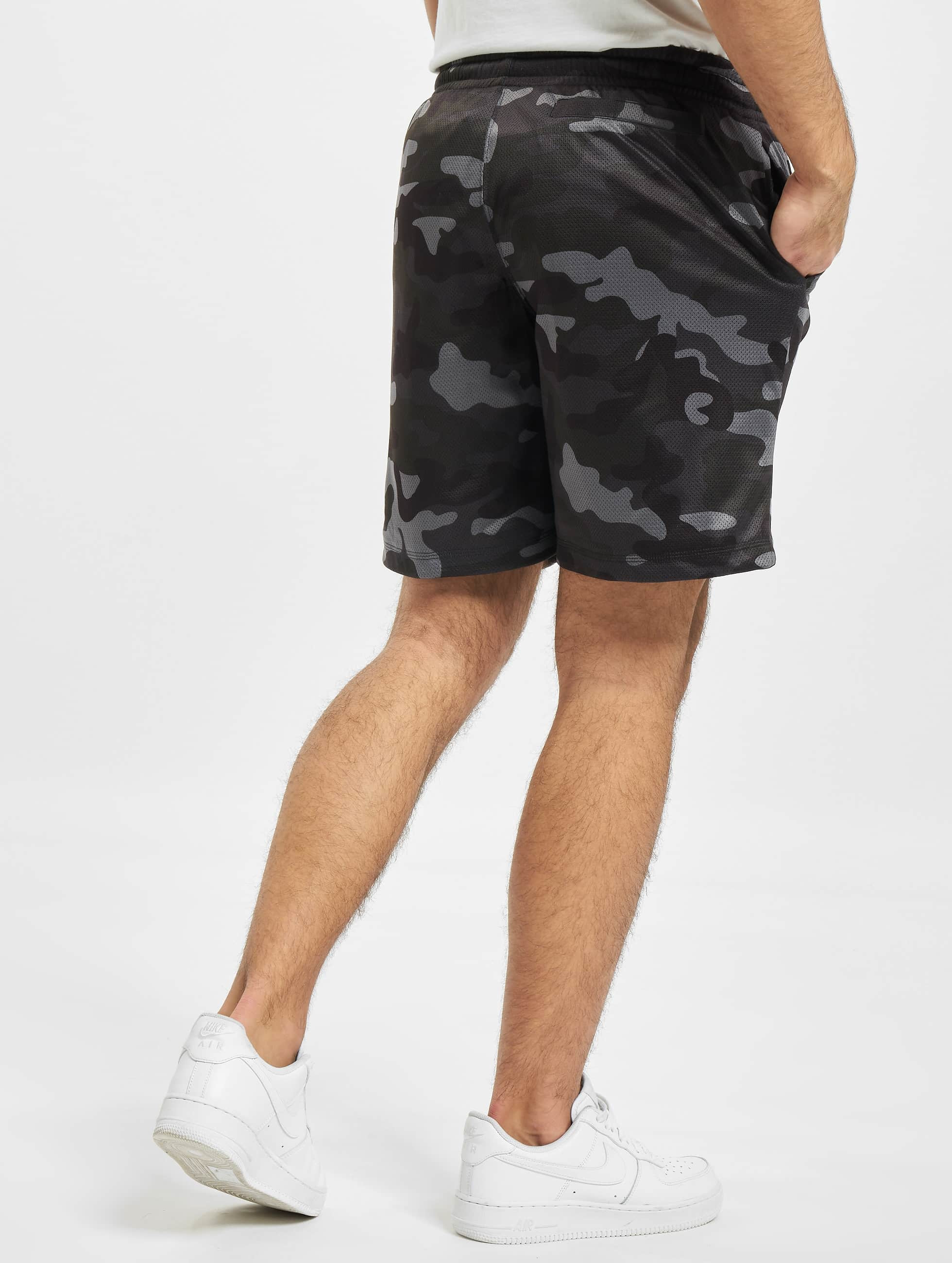 urban classics broek shorts camo mesh in camouflage 475719. Black Bedroom Furniture Sets. Home Design Ideas