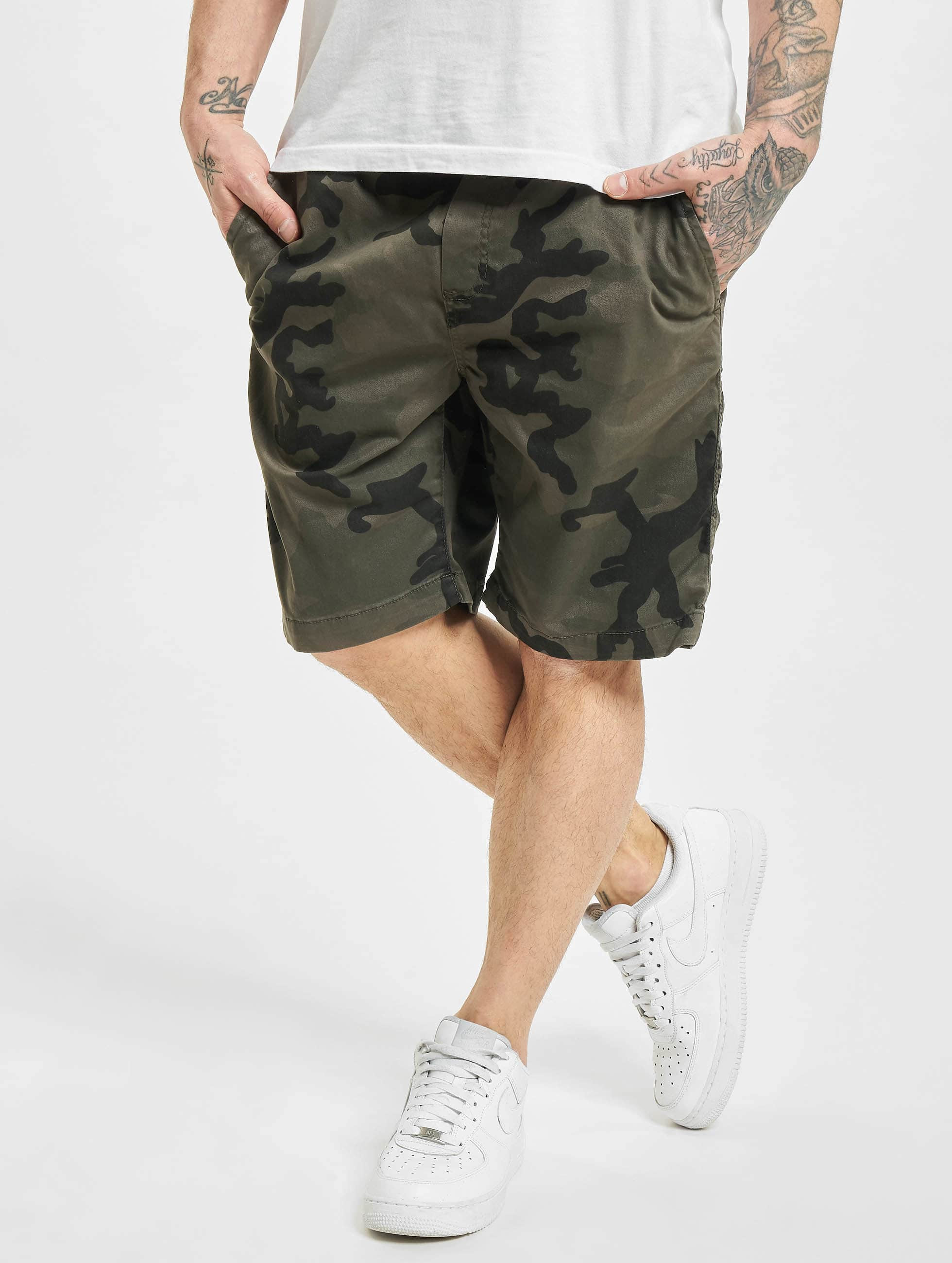 urban classics herren shorts camo jogger in camouflage 475923. Black Bedroom Furniture Sets. Home Design Ideas