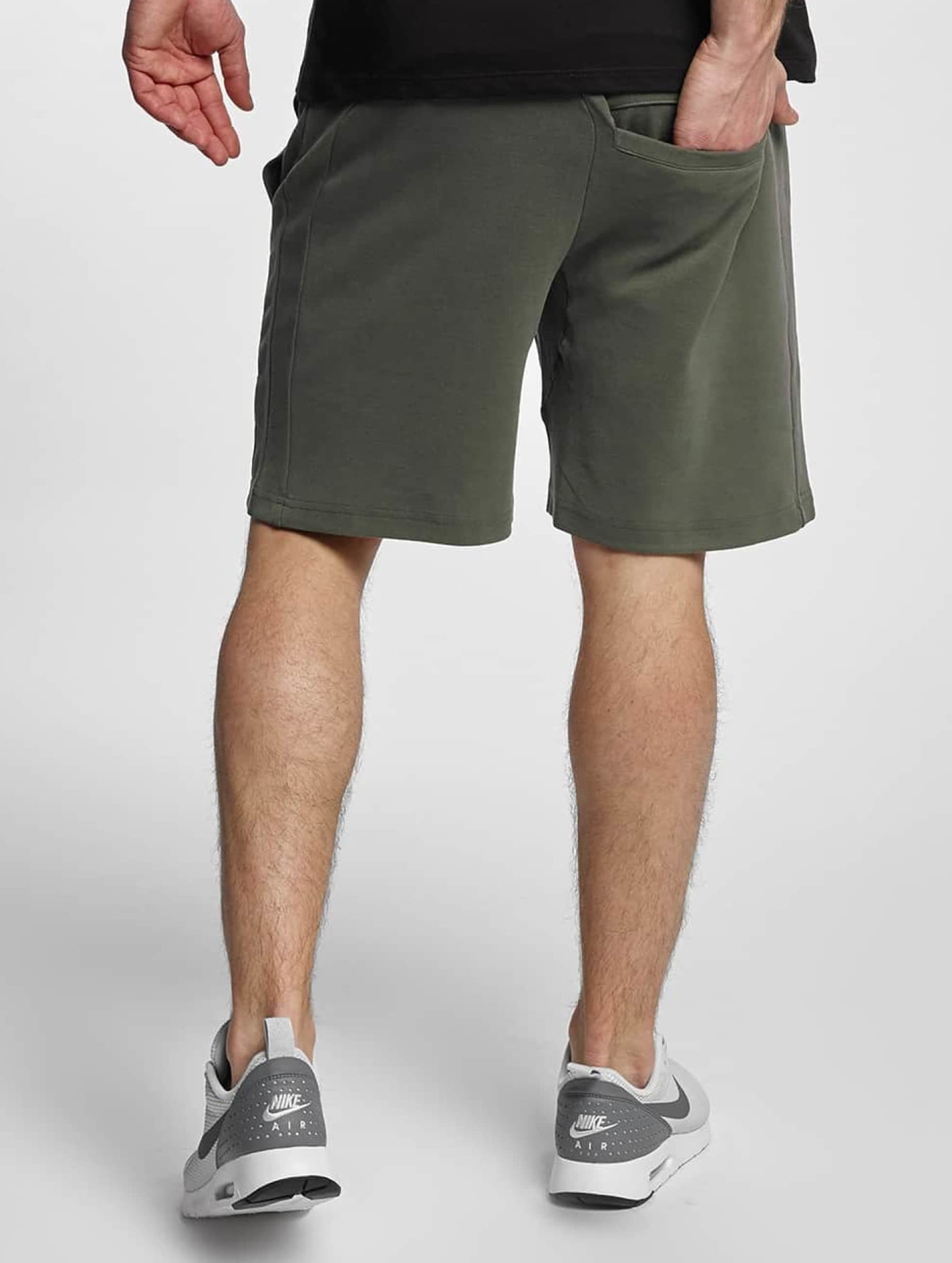 Urban Classics Shorts Interlock olive