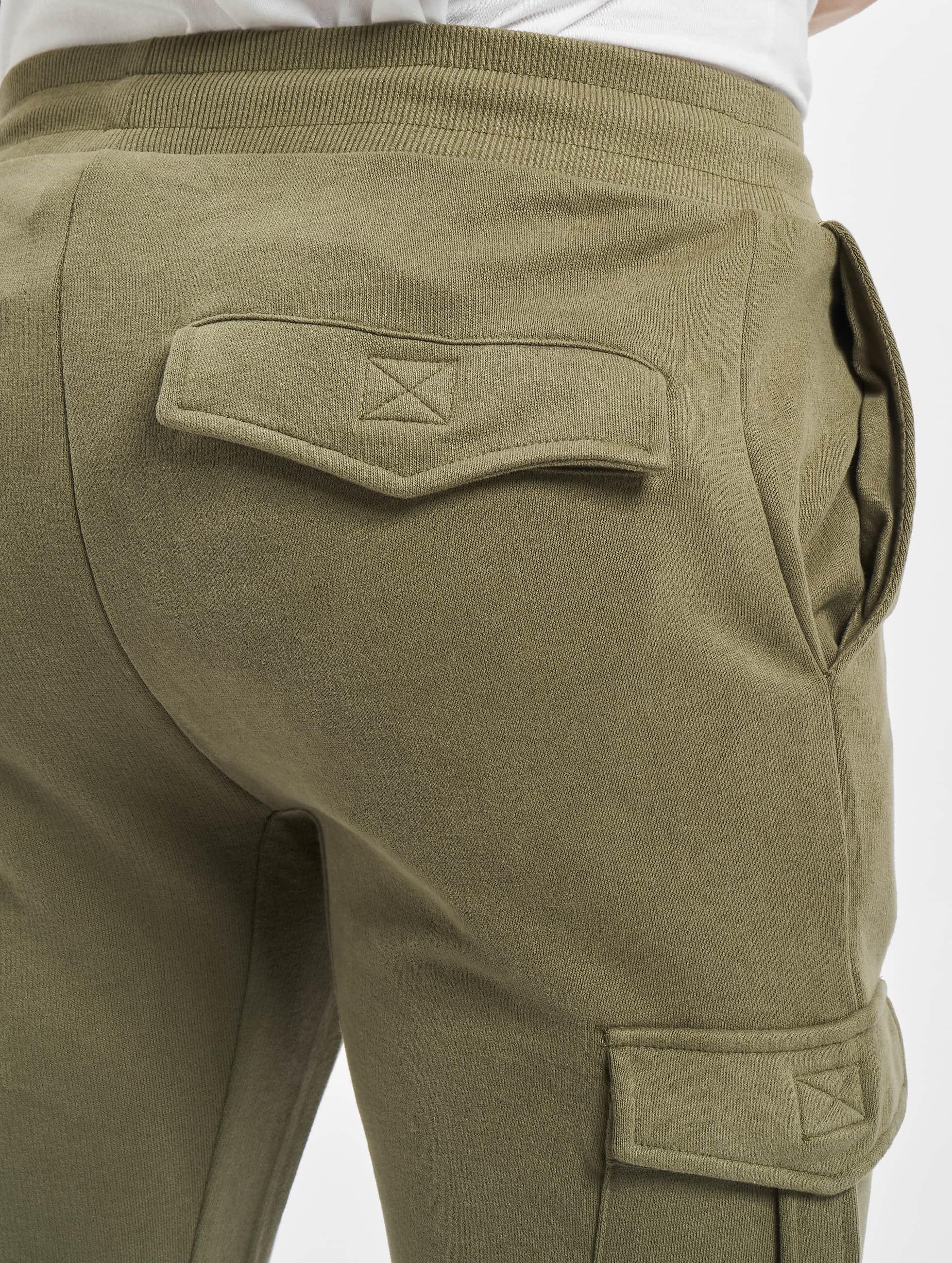 Urban Classics Spodnie do joggingu Fitted Cargo oliwkowy