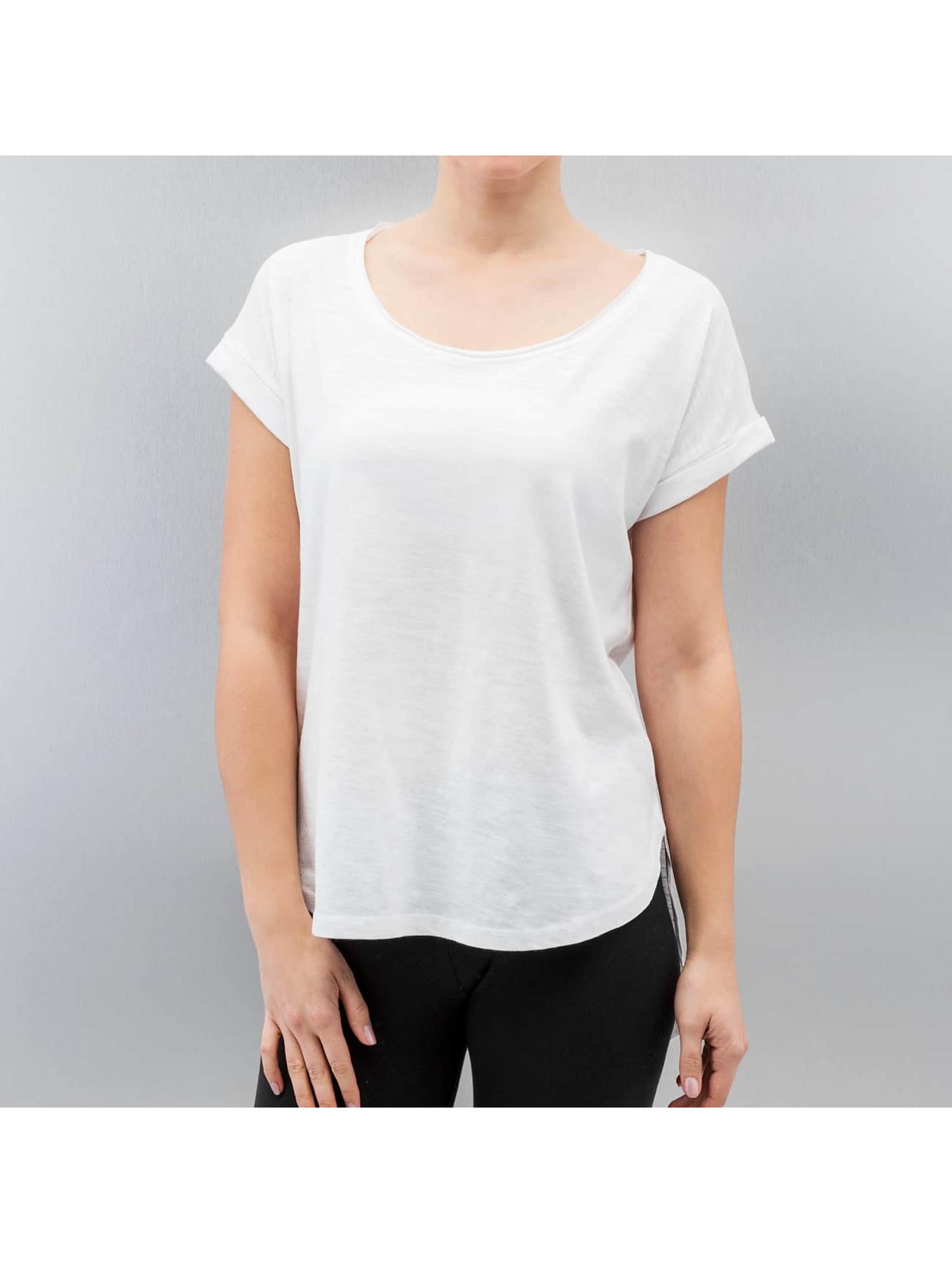 Urban Classics Haut / T-Shirt Shaped Slub en blanc