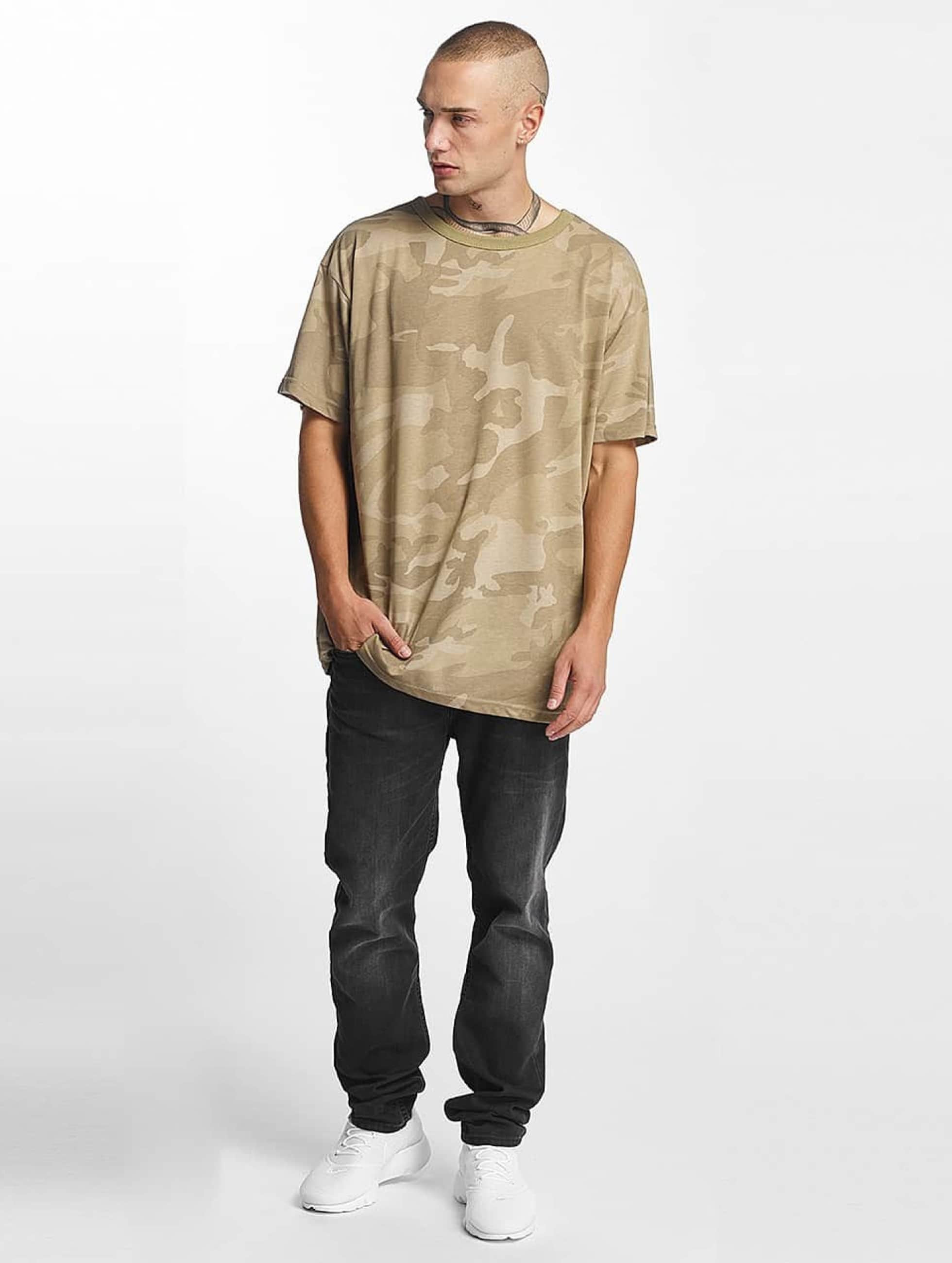 urban classics herren t shirt camo oversized in camouflage 400136. Black Bedroom Furniture Sets. Home Design Ideas