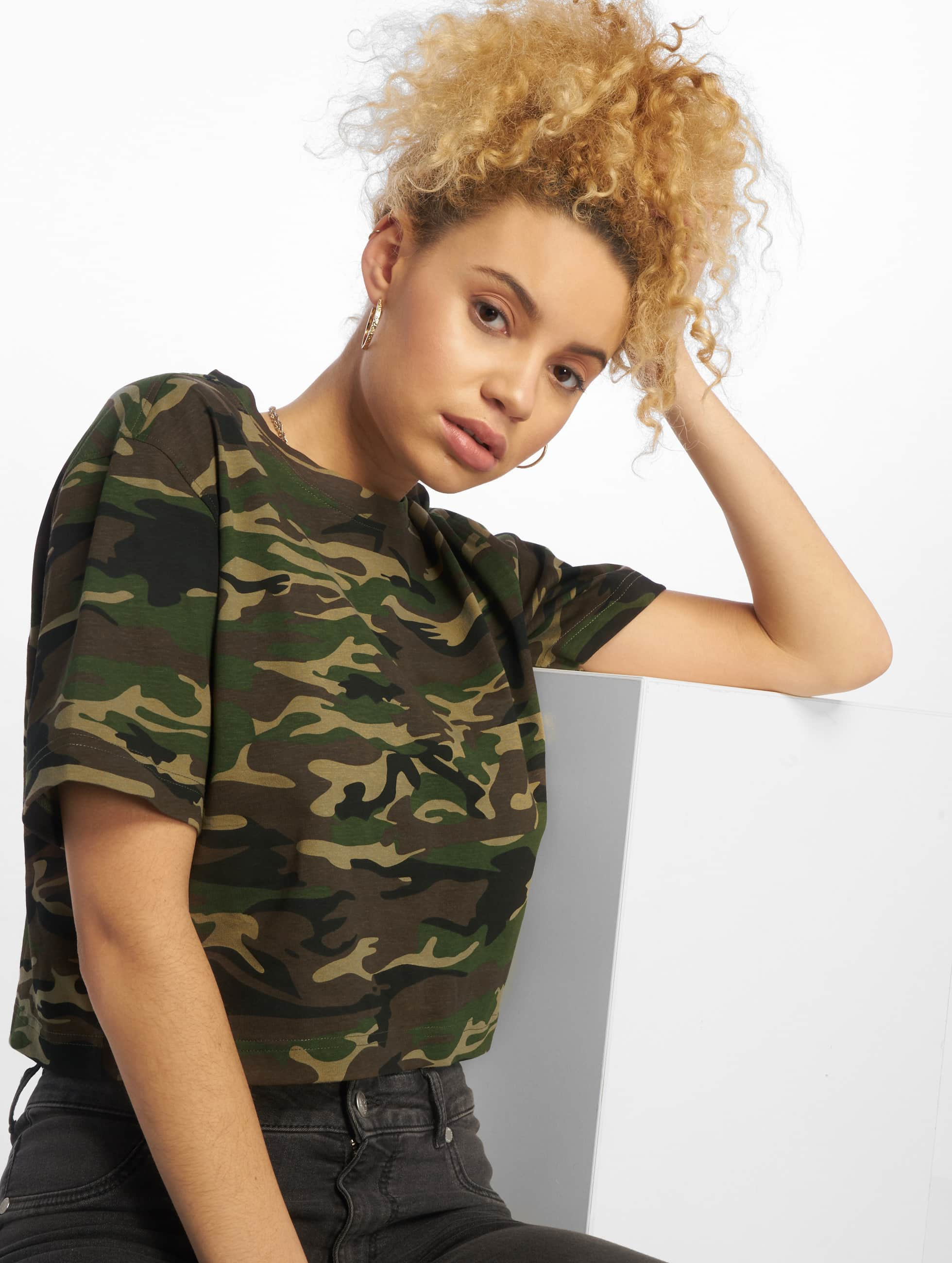 urban classics cropped oversize camouflage femme t shirt 475246. Black Bedroom Furniture Sets. Home Design Ideas