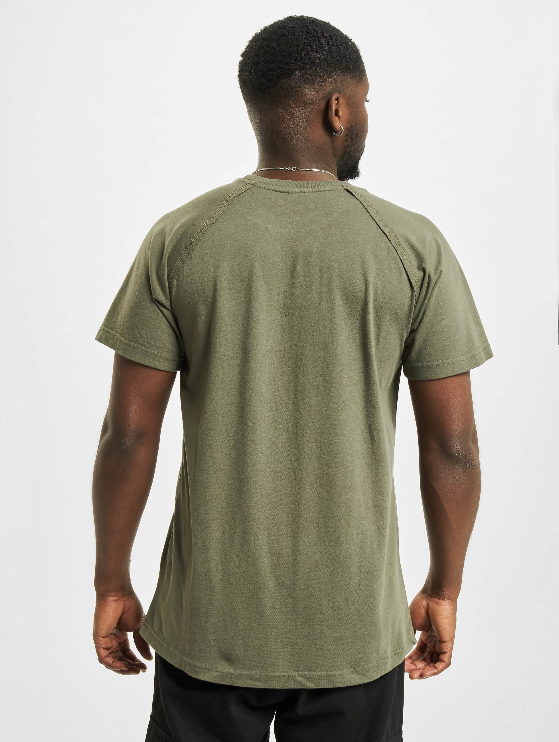 urban classics herren t shirt ripped in olive 305566. Black Bedroom Furniture Sets. Home Design Ideas