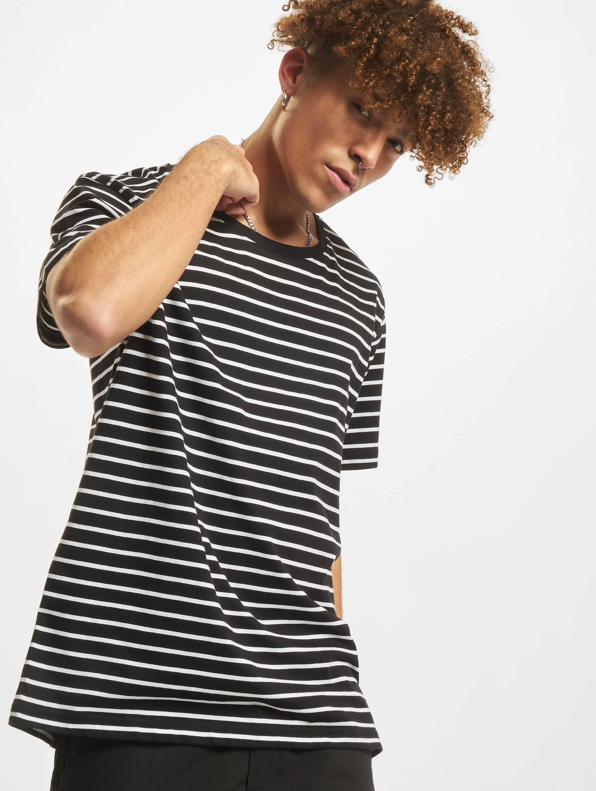 Urban Classics Tričká Striped èierna