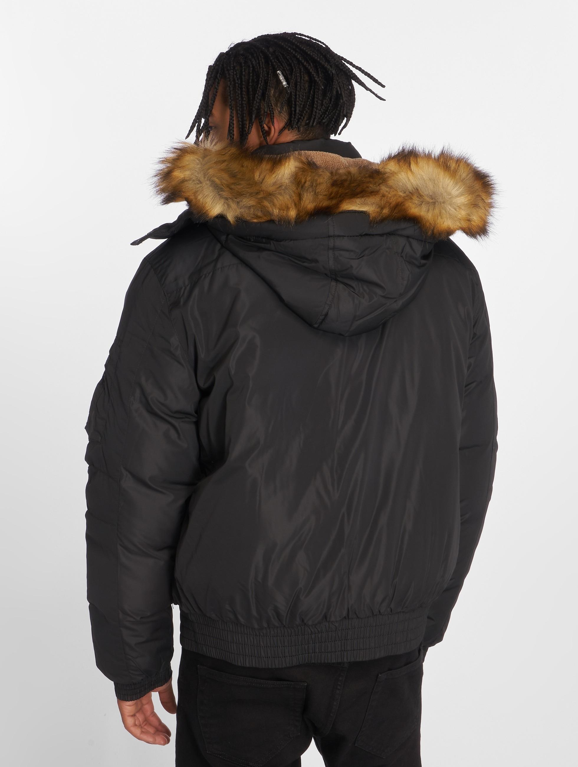 Urban Classics Zimné bundy Heavy èierna