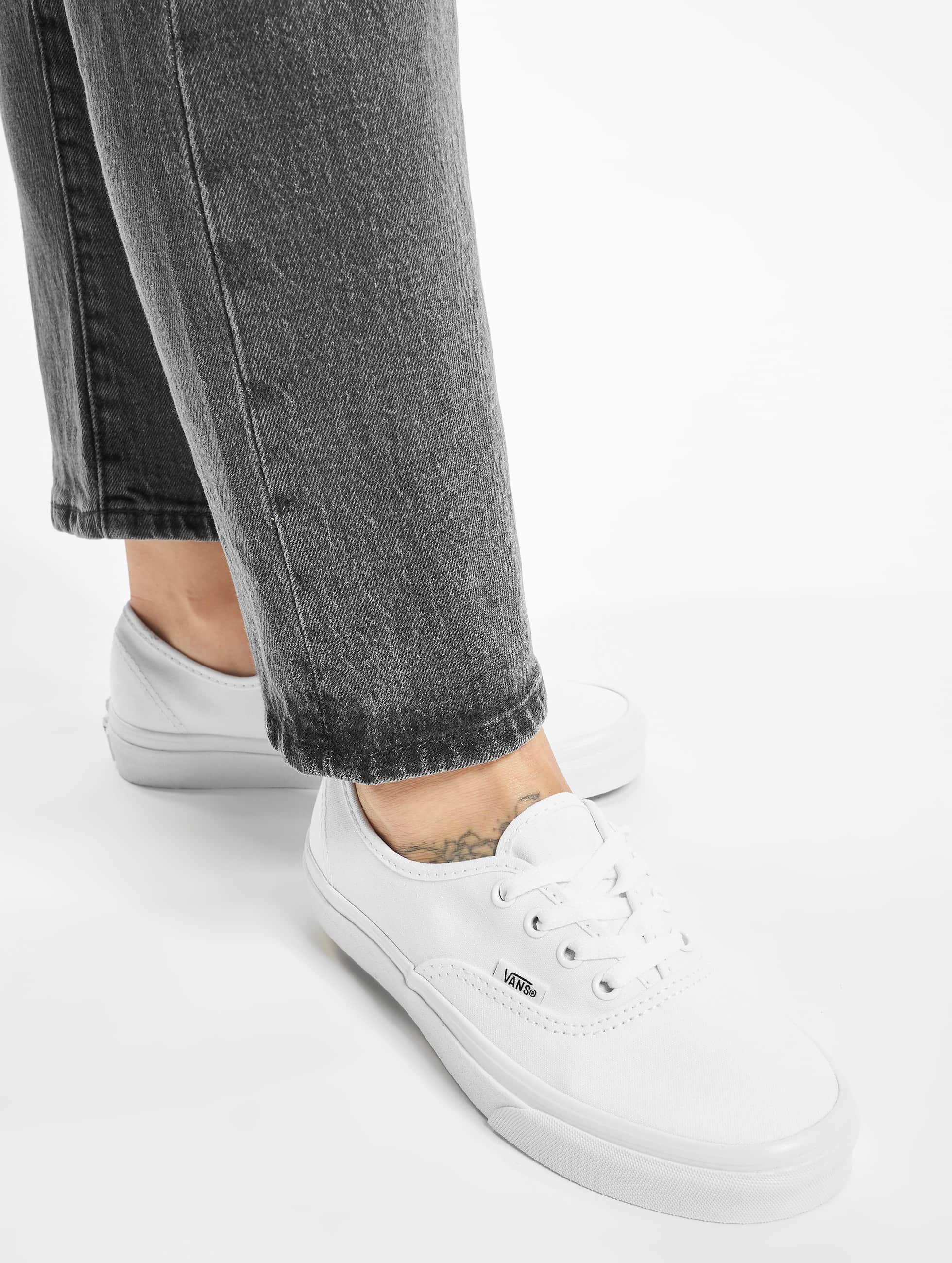 Vans Chaussures / Baskets Authentic en blanc
