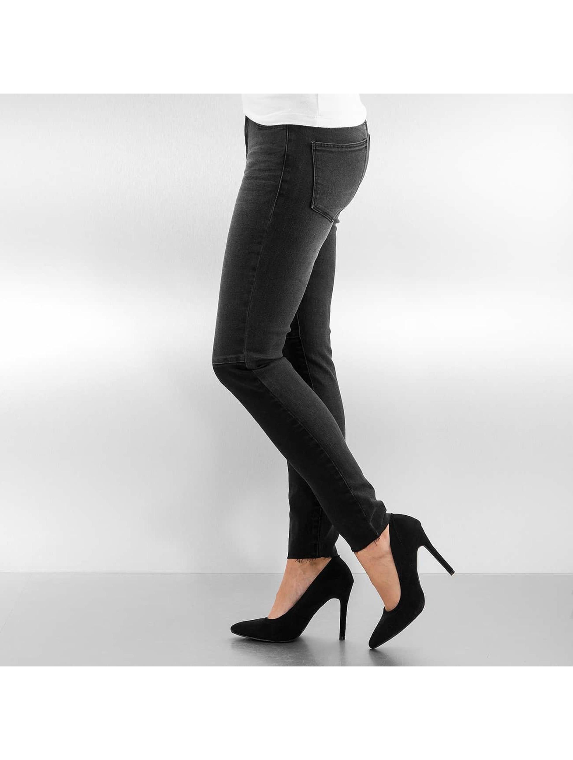 Vero Moda Kapeat farkut vmSeven Slim Patch Ankle musta