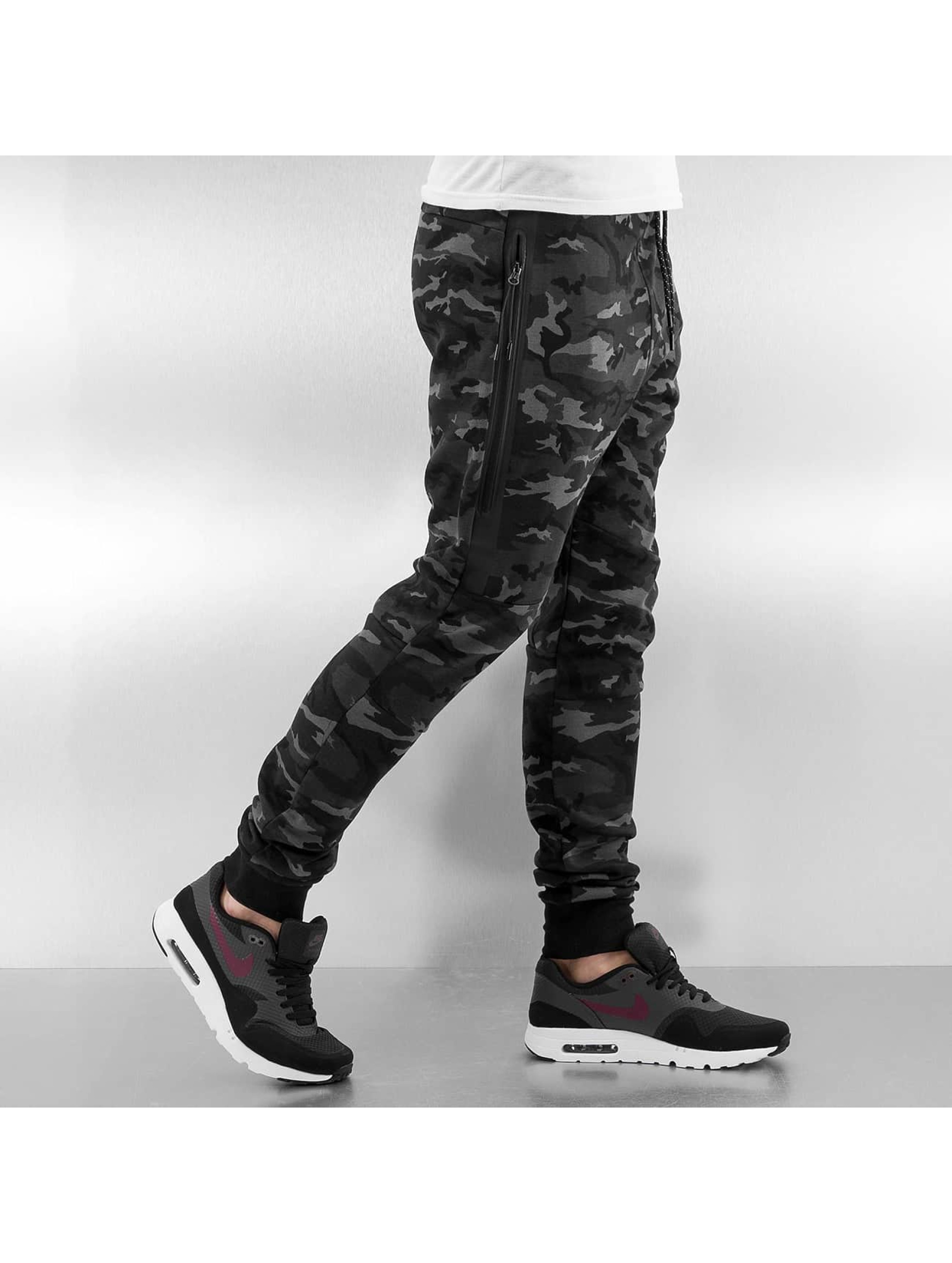 Who Shot Ya? joggingbroek Camo zwart