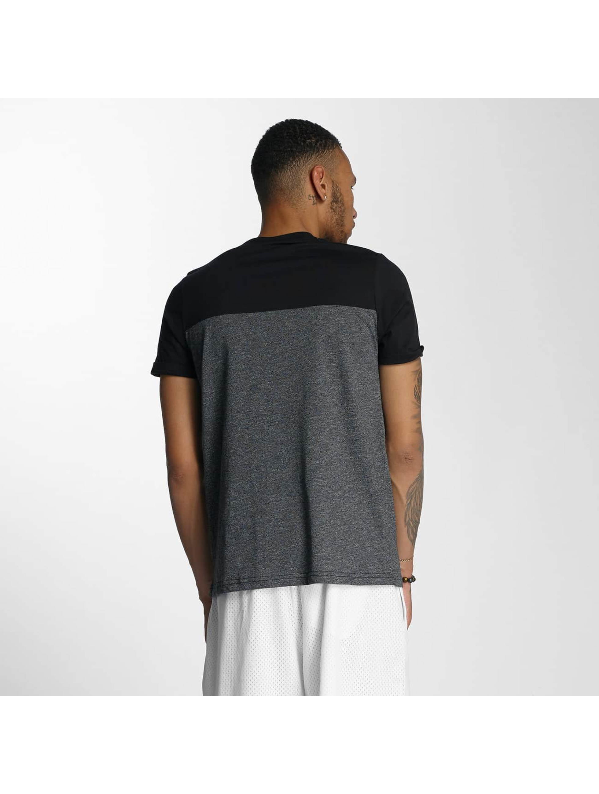 Wrung Division T-skjorter Pocket grå