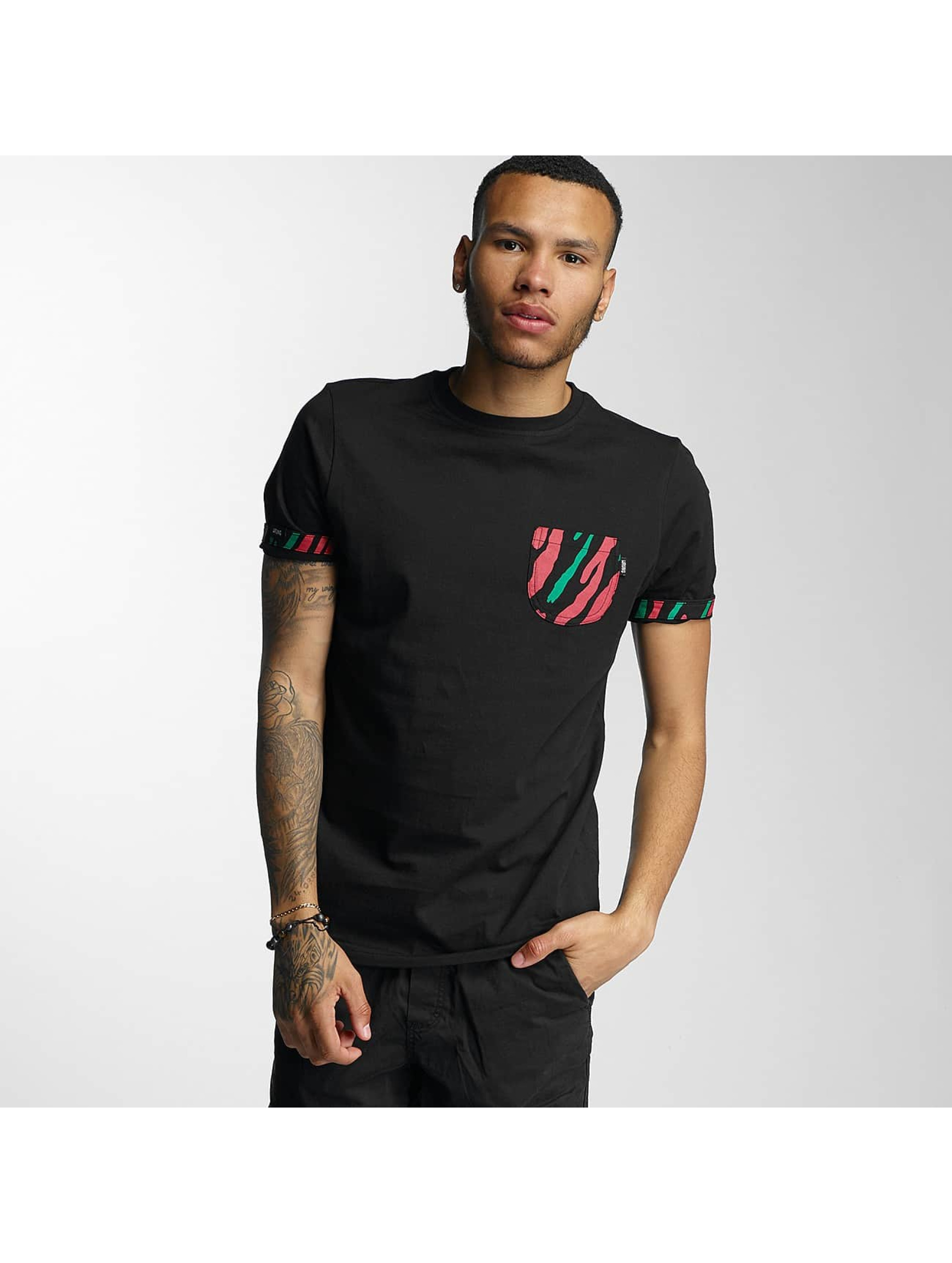 Wrung Division T-skjorter Kickin' It svart