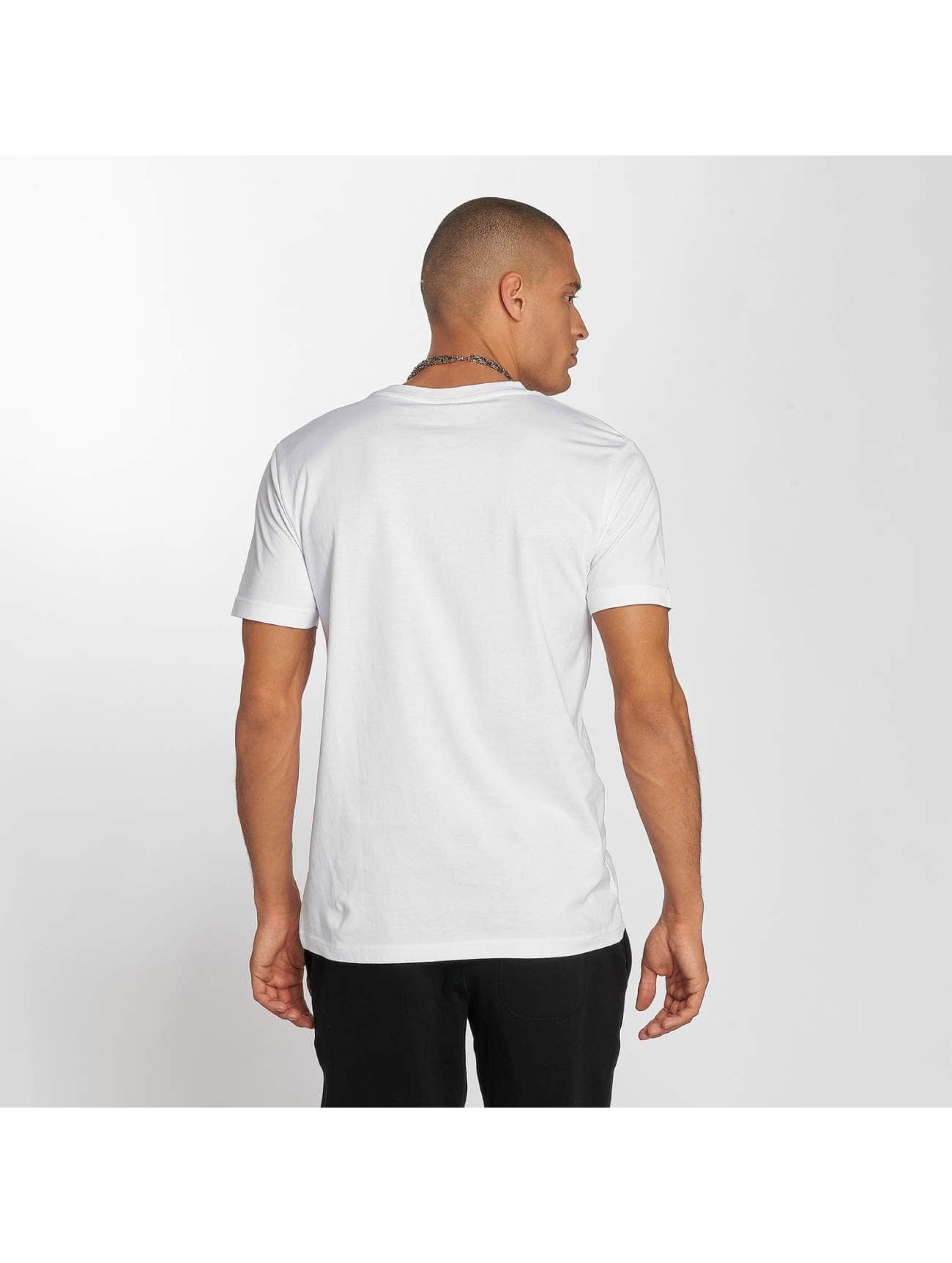 Wu-Tang T-Shirt Flag white