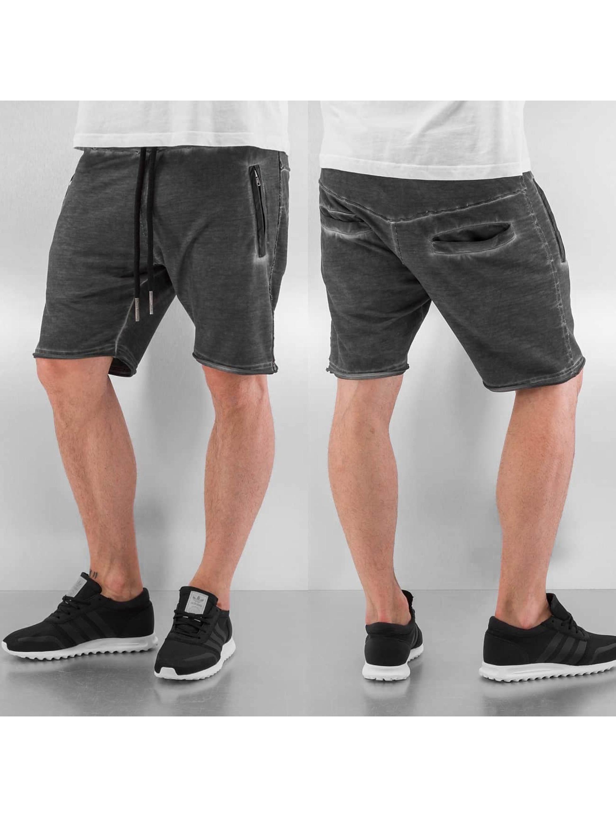 Yezz Shorts Dyed grå