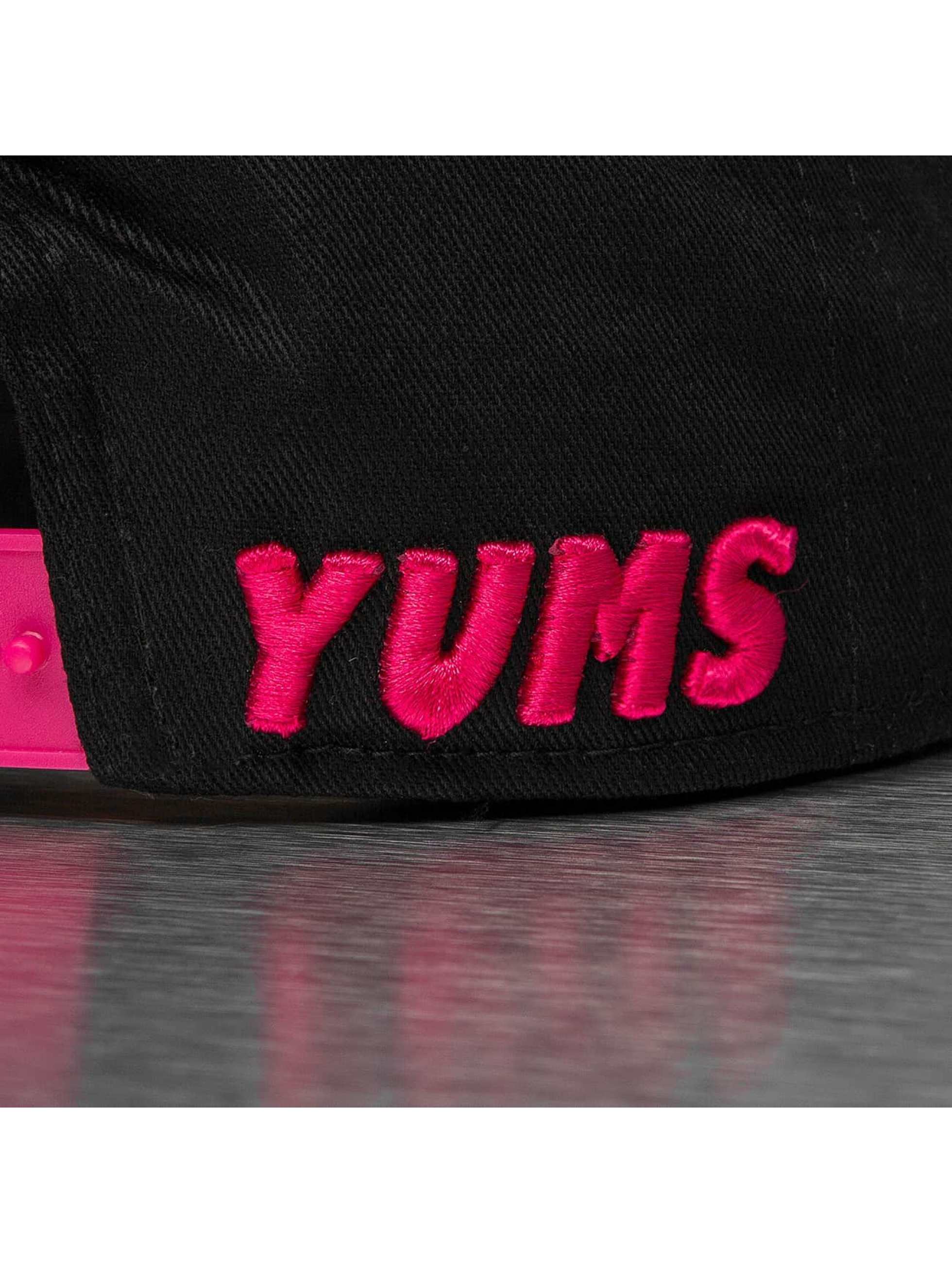 Yums Casquette Snapback & Strapback New Era Classic Outline noir