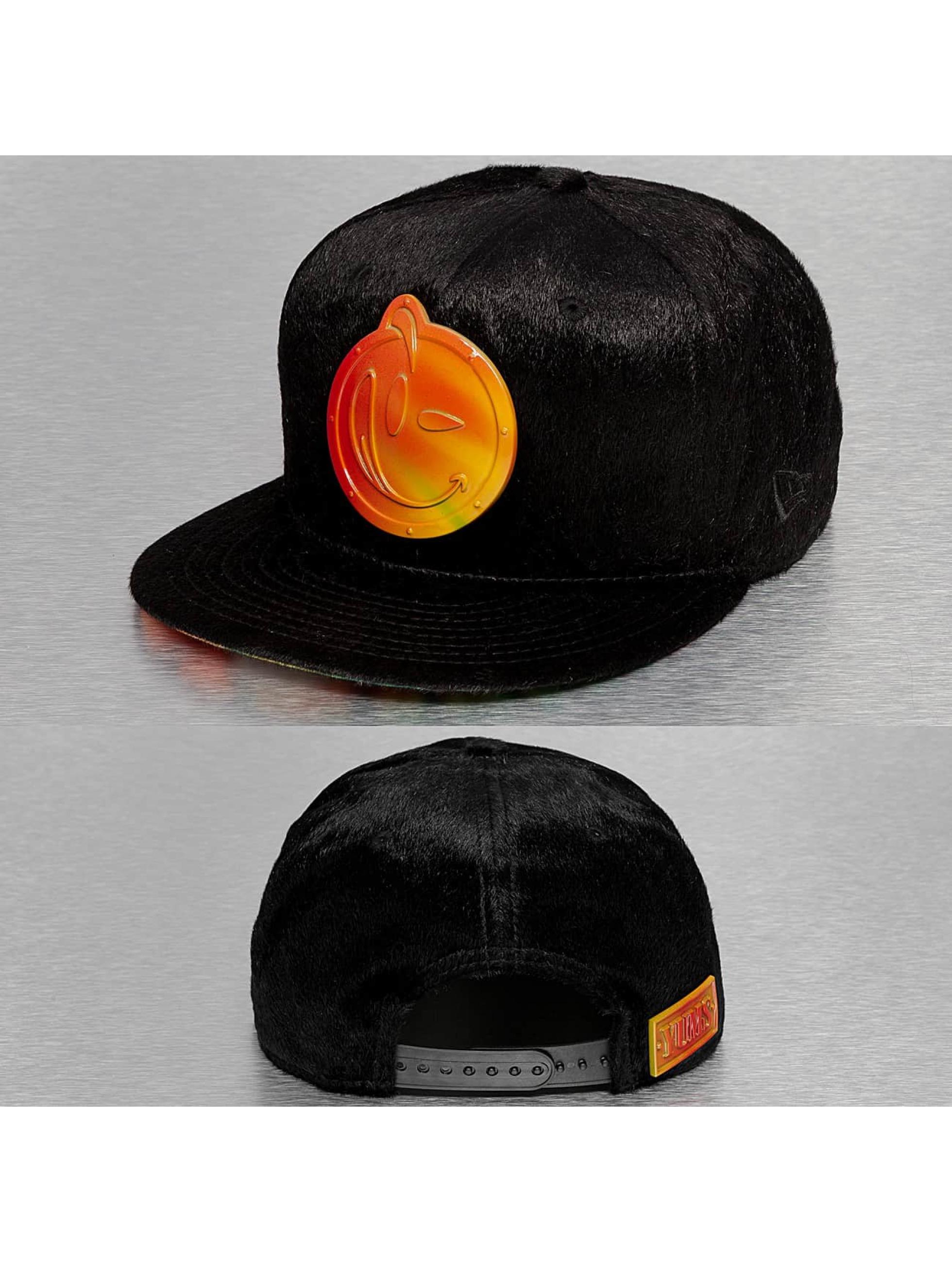 Yums Snapback Caps Metal Collection II musta