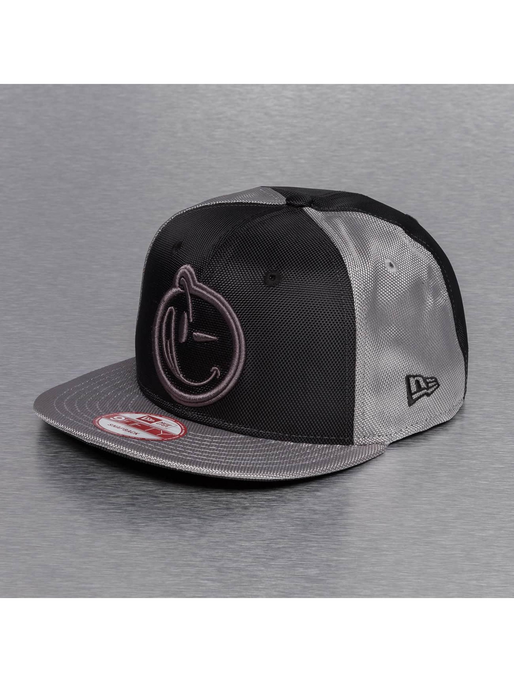 Yums Snapback Caps New Era Classic Bohemian musta