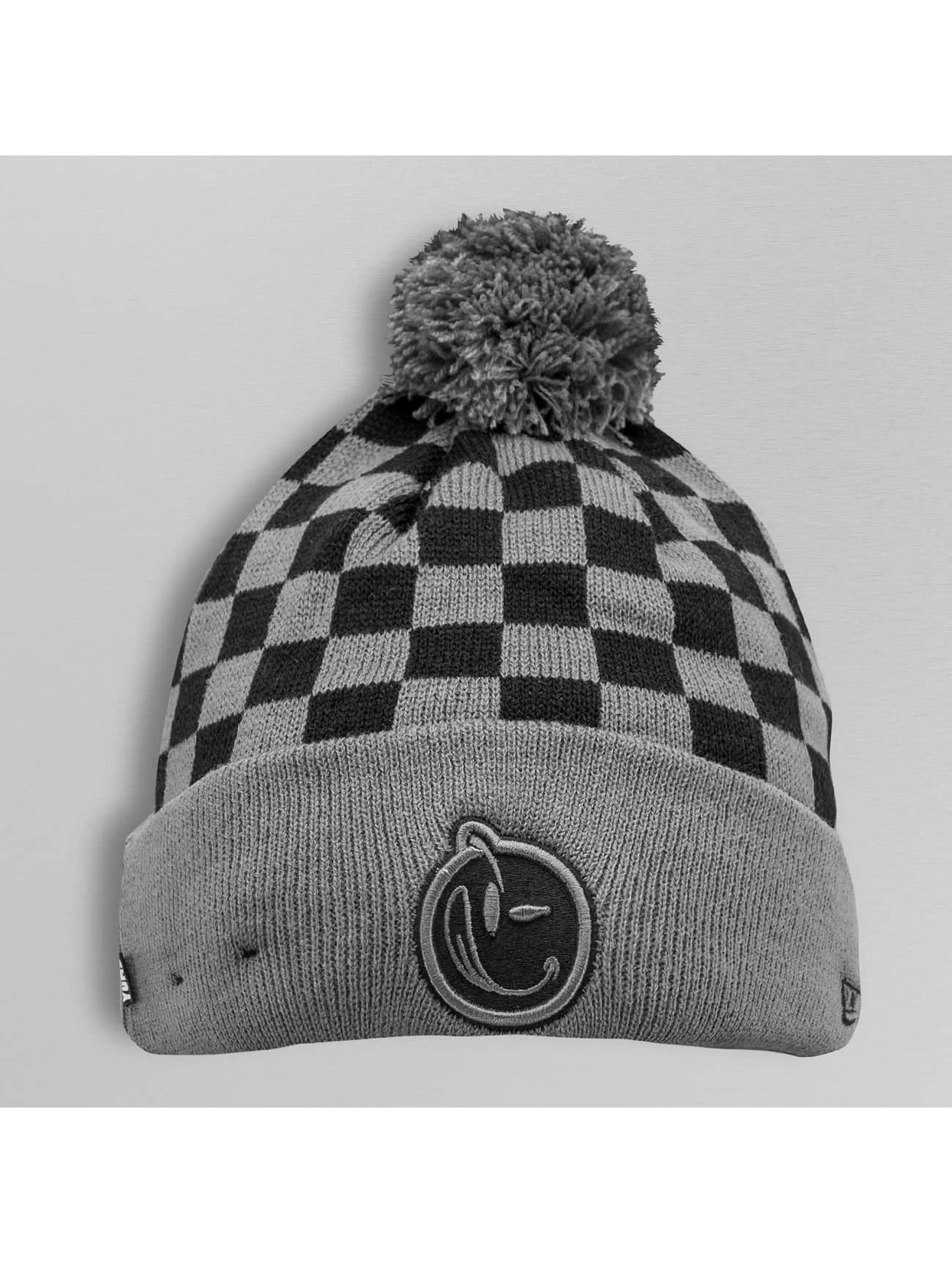 Wintermütze Pom Checkered in schwarz