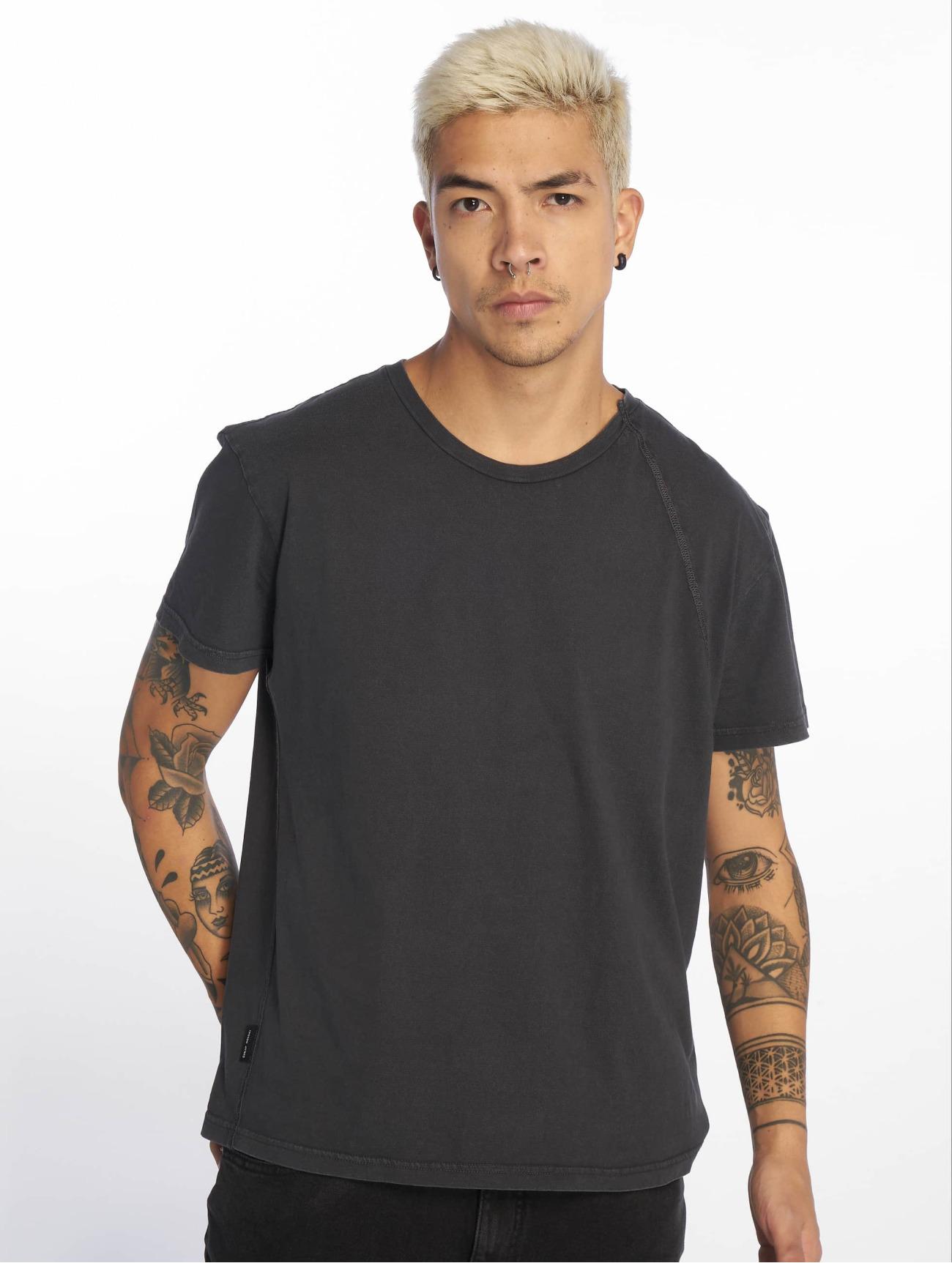 Cheap Monday Överdel / T-shirt Standard Skewed i svart 634778 Män Överdelar