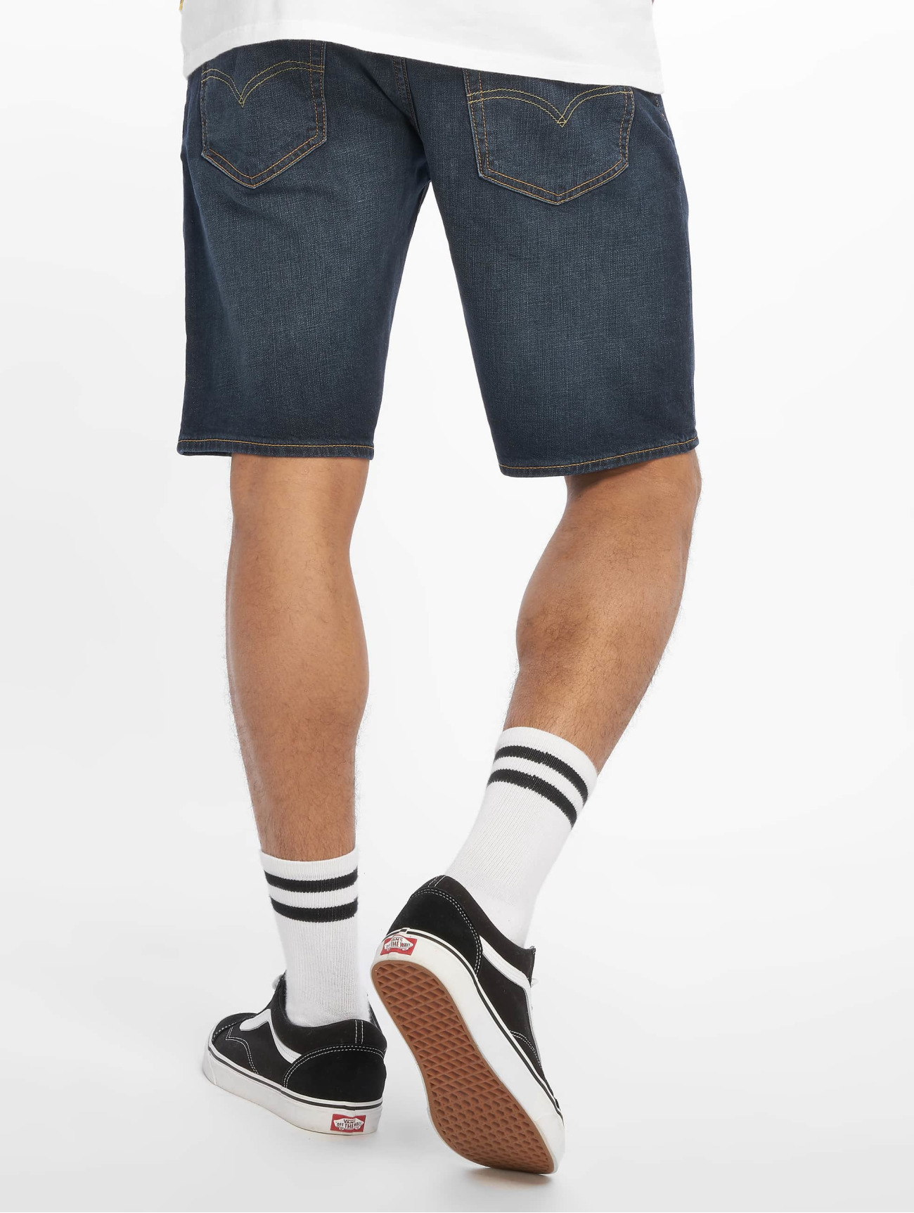 Levi's®  502 Taper Hemmed Saturn Denim  indigo Homme Short  652284 Homme Pantalons & Shorts