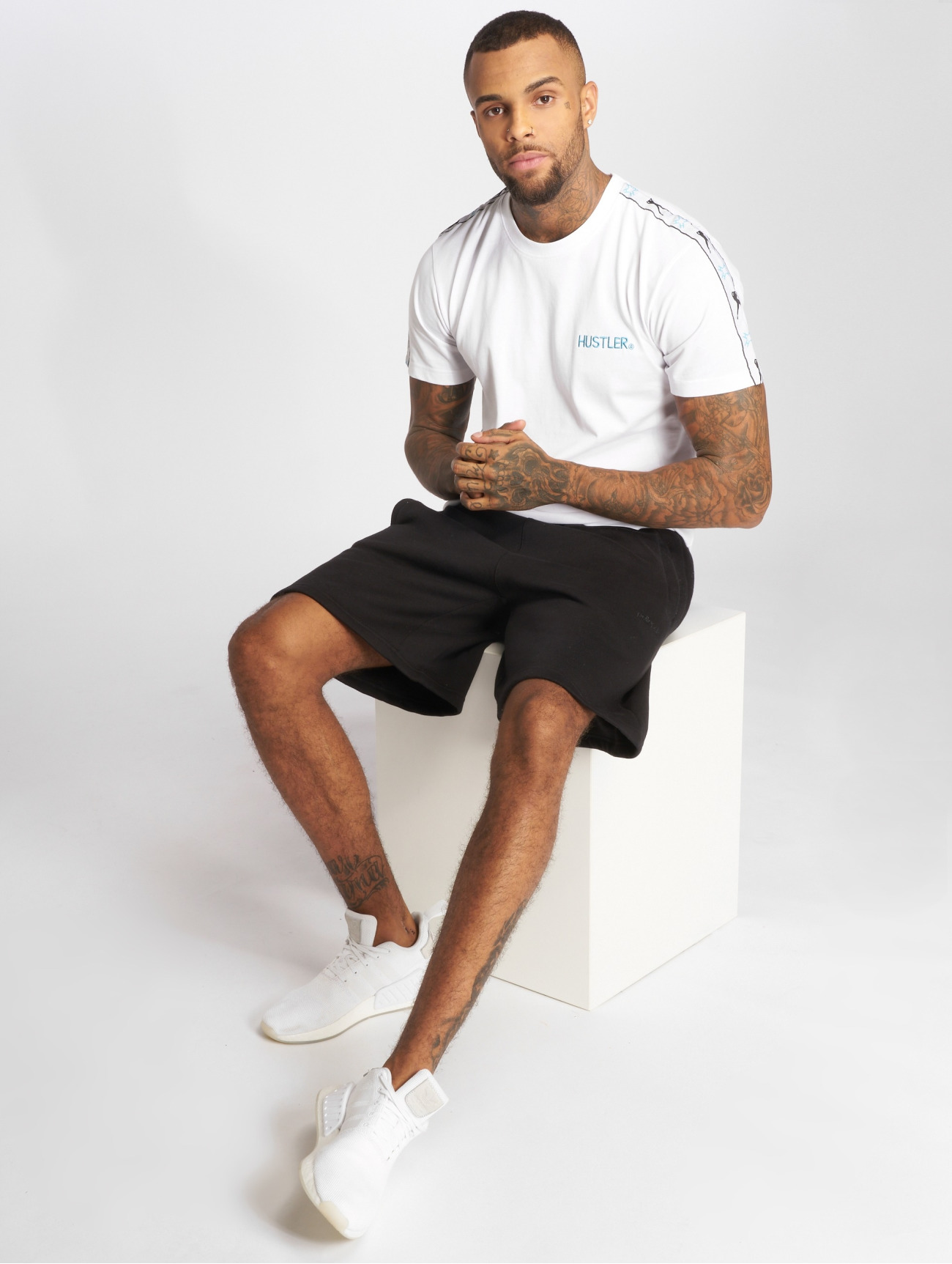 Merchcode   Hustler Sidetape  blanc Homme T-Shirt  522069  Homme Hauts
