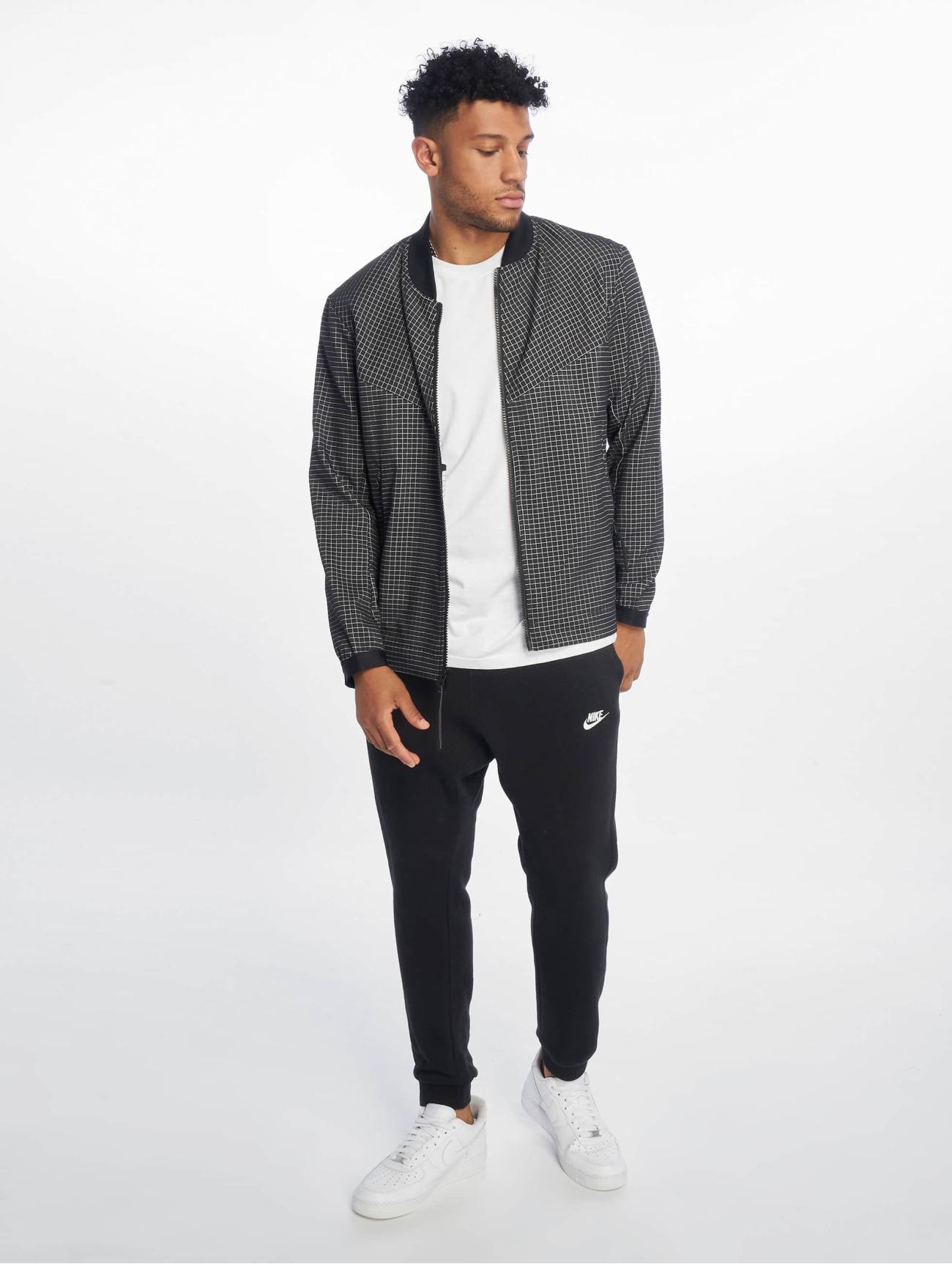 Nike Jackor / Övergångsjackor Tech Pack Grid i svart 662466 Män Jackor