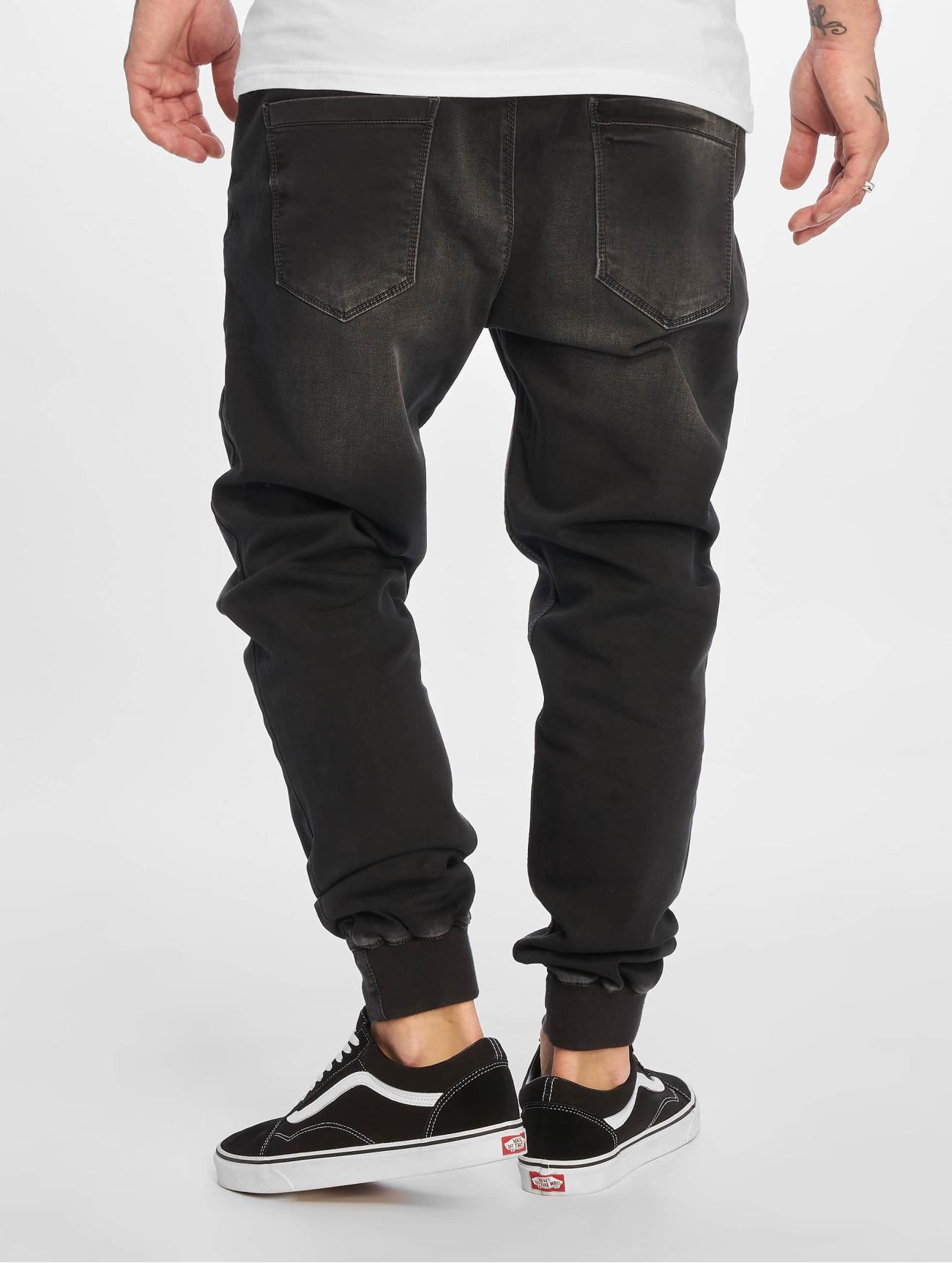 Reell Jeans Byxor / Joggingbyxor Reflex i svart 584960 Män Byxor