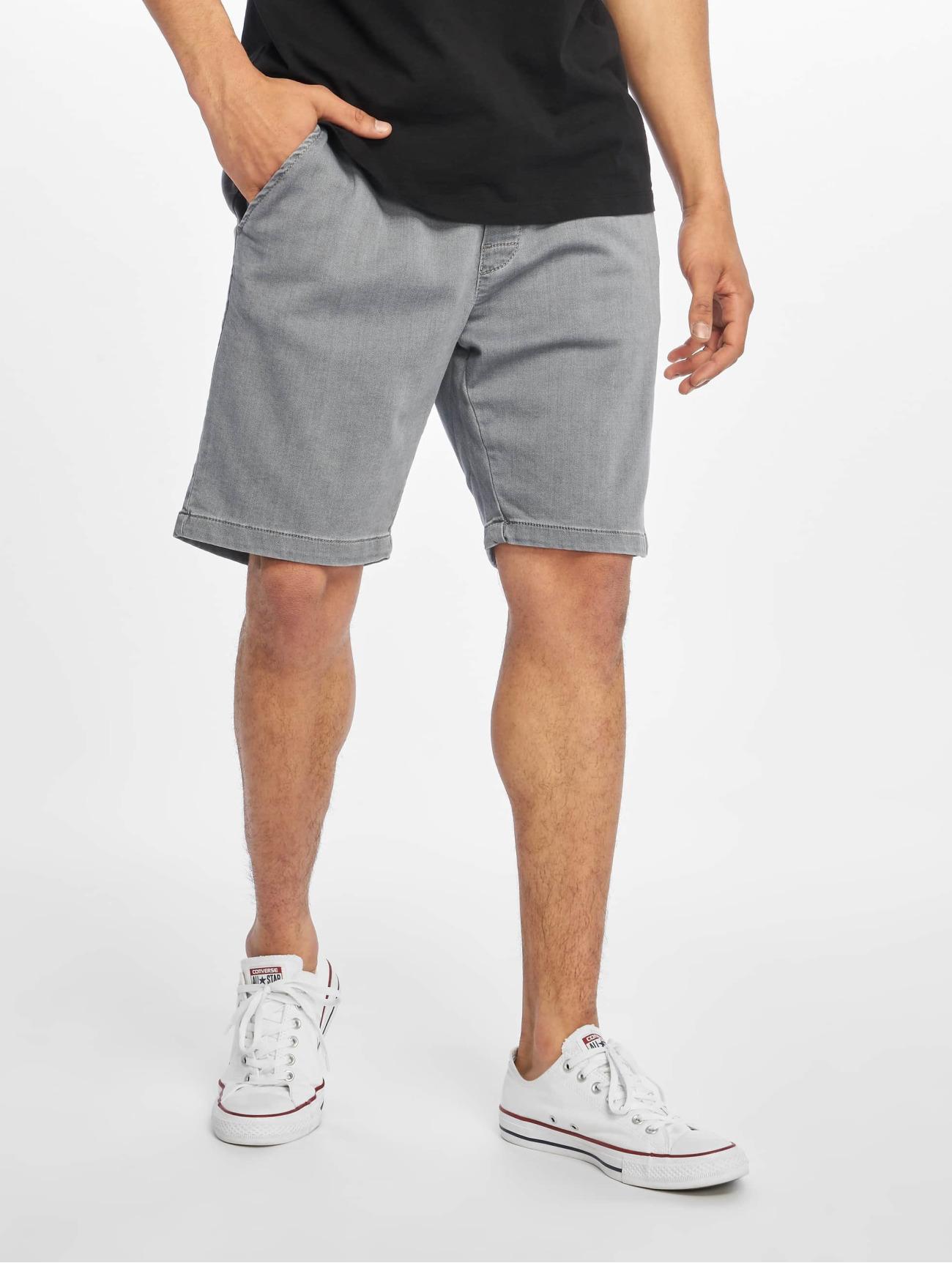 Reell Jeans Byxor / Shorts Reflex Easy i grå 584983 Män Byxor