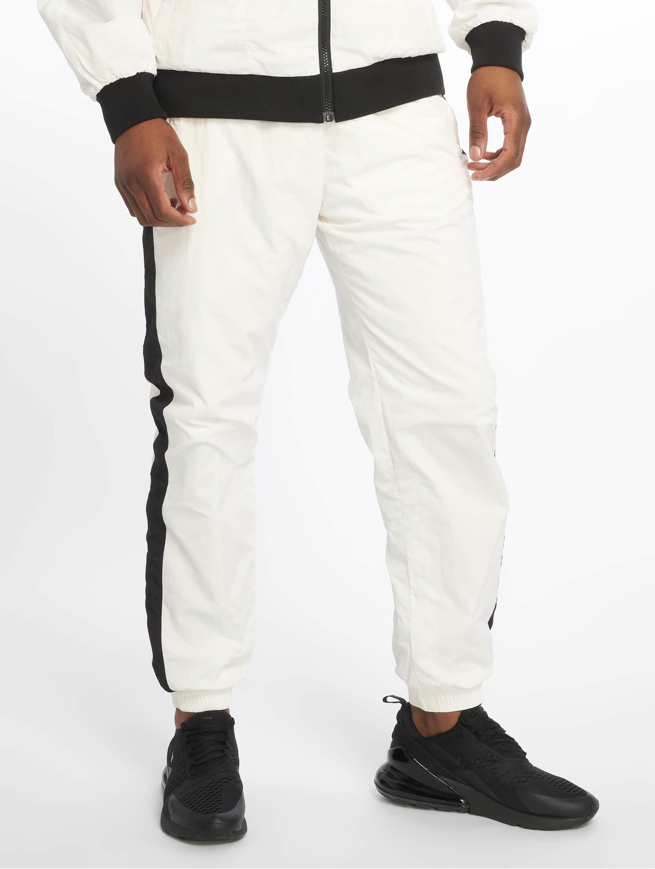 Urban Classics  Side Striped Crinkle  blanc Homme Jogging  636559 Homme Pantalons & Shorts