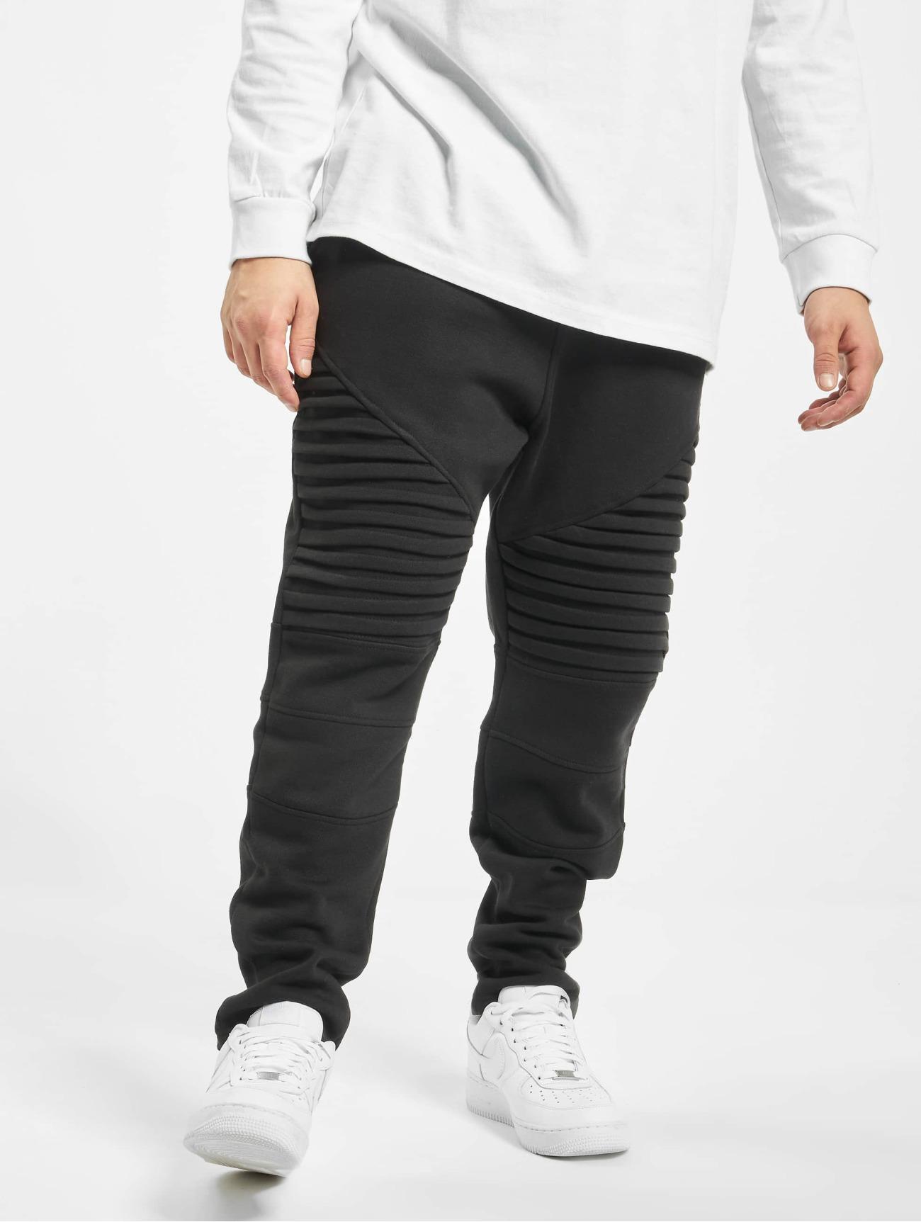 Urban Classics  Pleat   noir Homme Jogging  294153 Homme Pantalons & Shorts