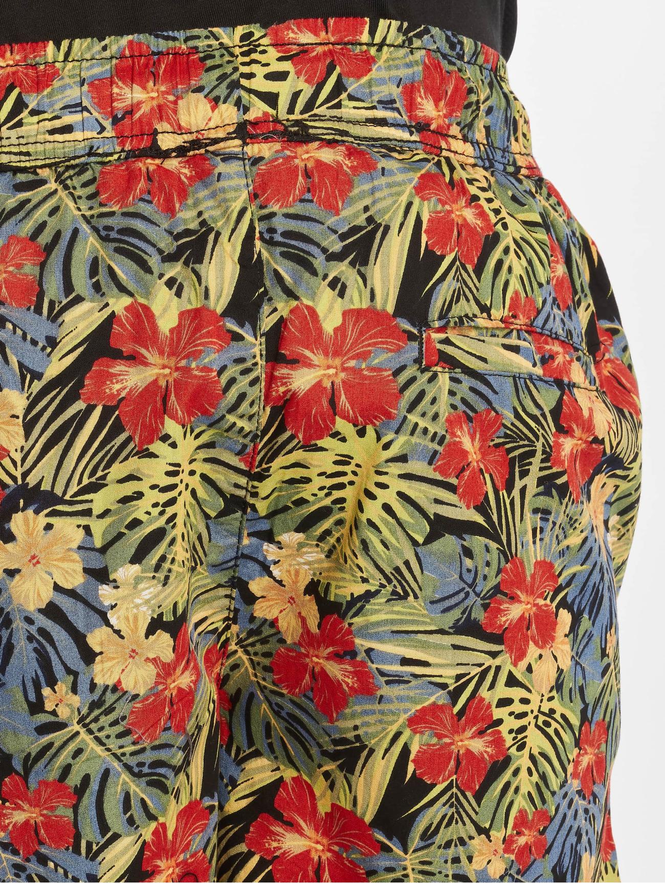 Urban Classics Byxor / Shorts Pattern Resort i färgad 665435 Män Byxor