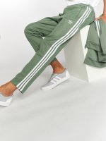 adidas originals Spodnie do joggingu Beckenbauer Tp zielony