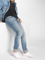 Levi's® Облегающие джинсы L8 Hearns синий