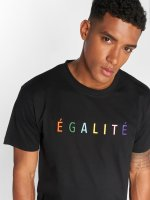 Mister Tee T-skjorter Egalite svart