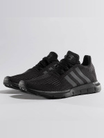 adidas originals Tennarit Swift Run musta