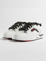 Globe Sneakers Fury white