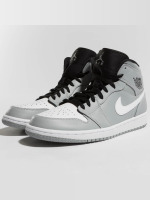 Jordan Sneaker 1 Mid grau