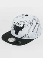 Mitchell & Ness Casquette Snapback & Strapback White And Black Marble Chicago Bulls blanc